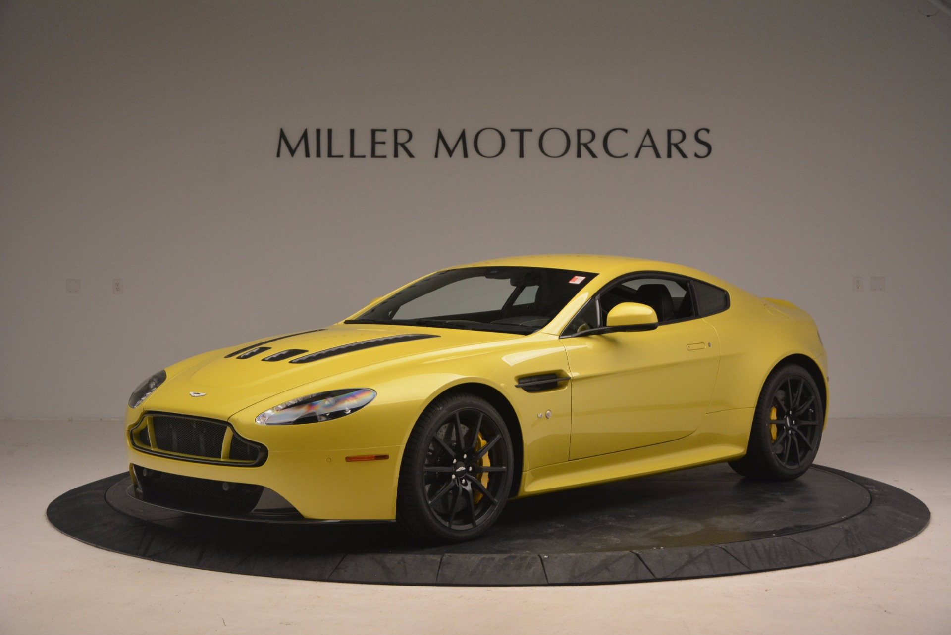 New 2017 Aston Martin V12 Vantage S  | Greenwich, CT