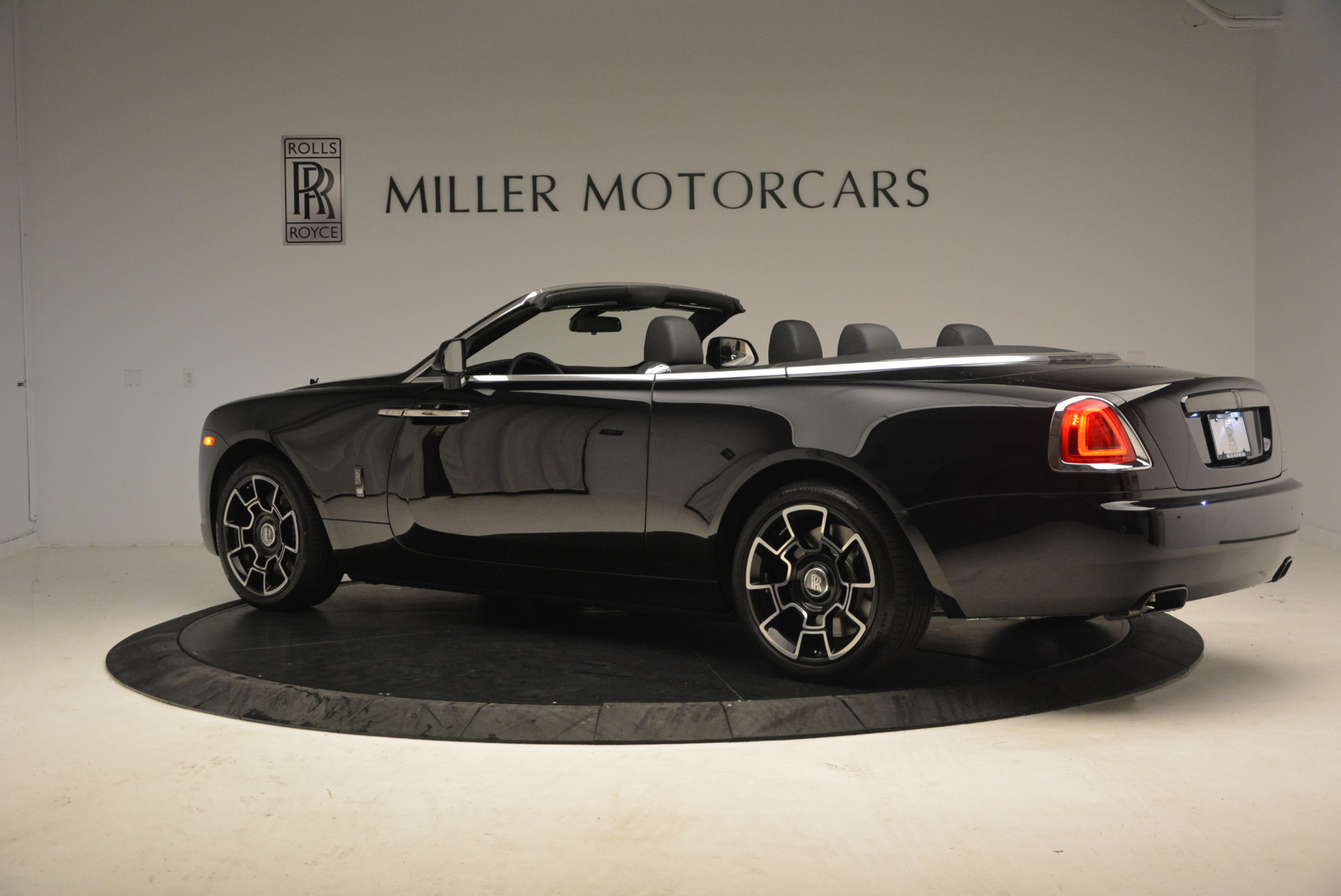 2018 Rolls Royce Dawn Black Badge Stock G7 1041145 Visit