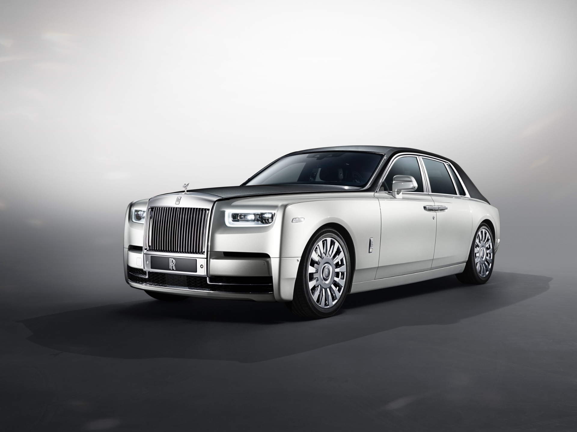 new 2018 rolls royce phantom taking orders now greenwich ct. Black Bedroom Furniture Sets. Home Design Ideas