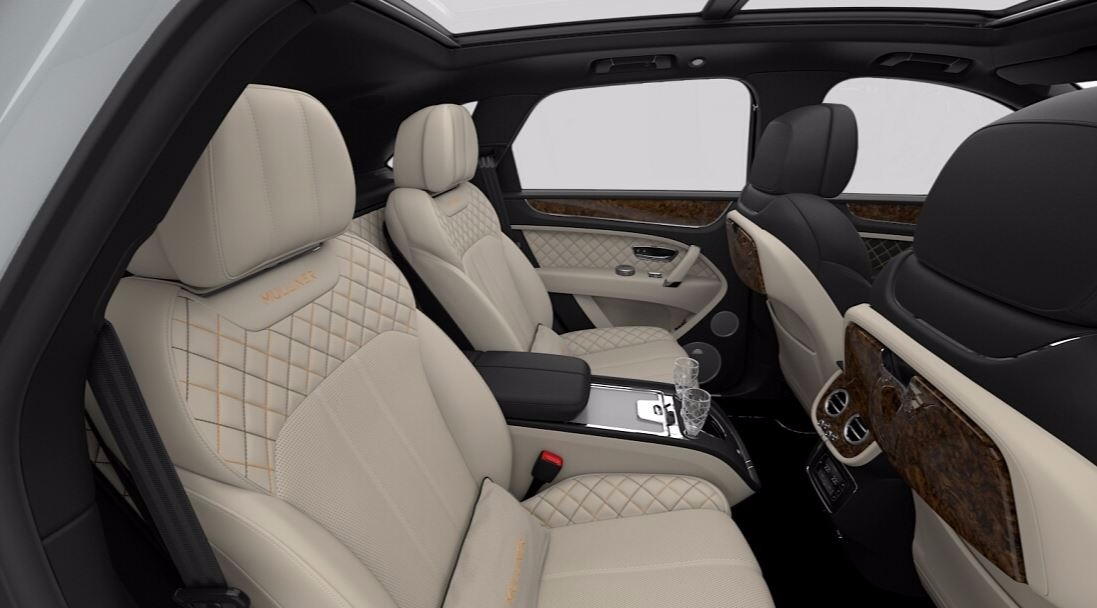 New 2018 Bentley Bentayga Mulliner | Greenwich, CT