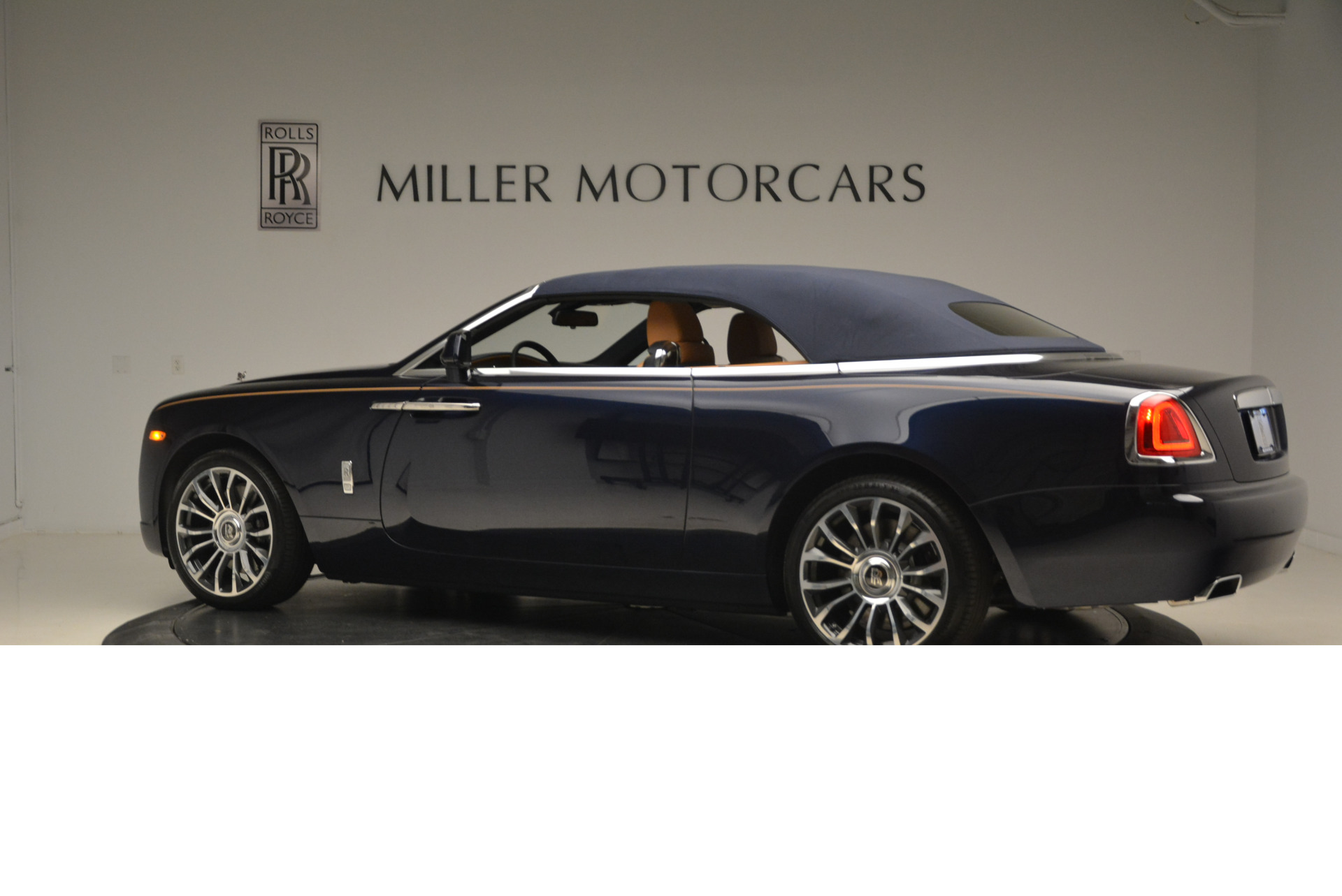 New 2018 Rolls-Royce Dawn  | Greenwich, CT