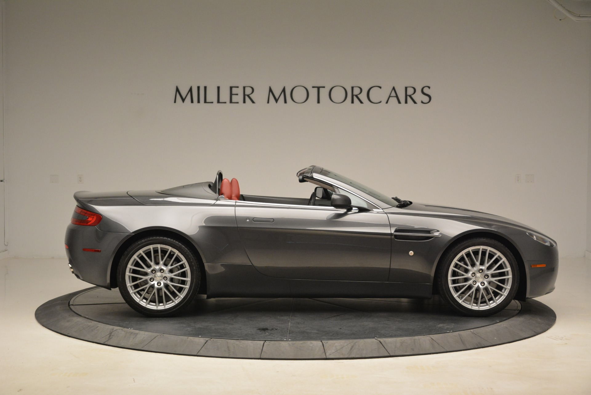 Used 2009 Aston Martin V8 Vantage Roadster | Greenwich, CT
