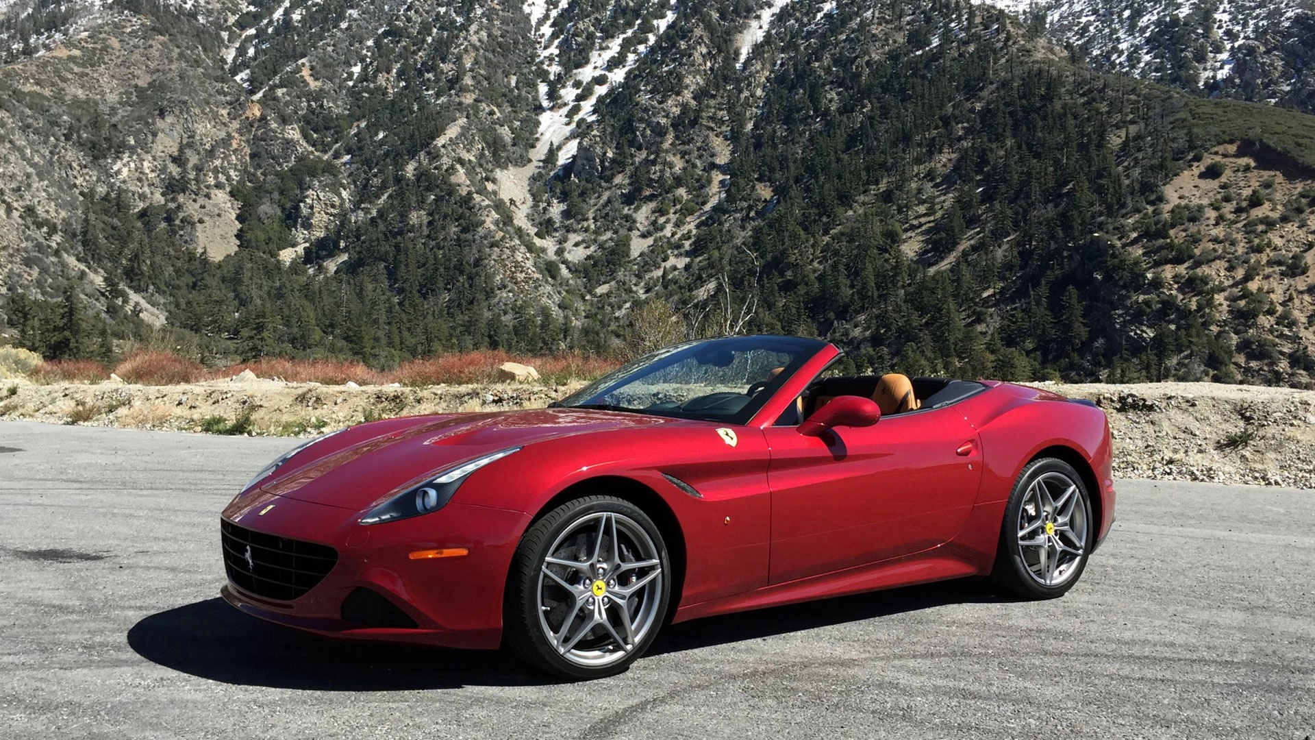 New 2017 Ferrari California T  | Greenwich, CT