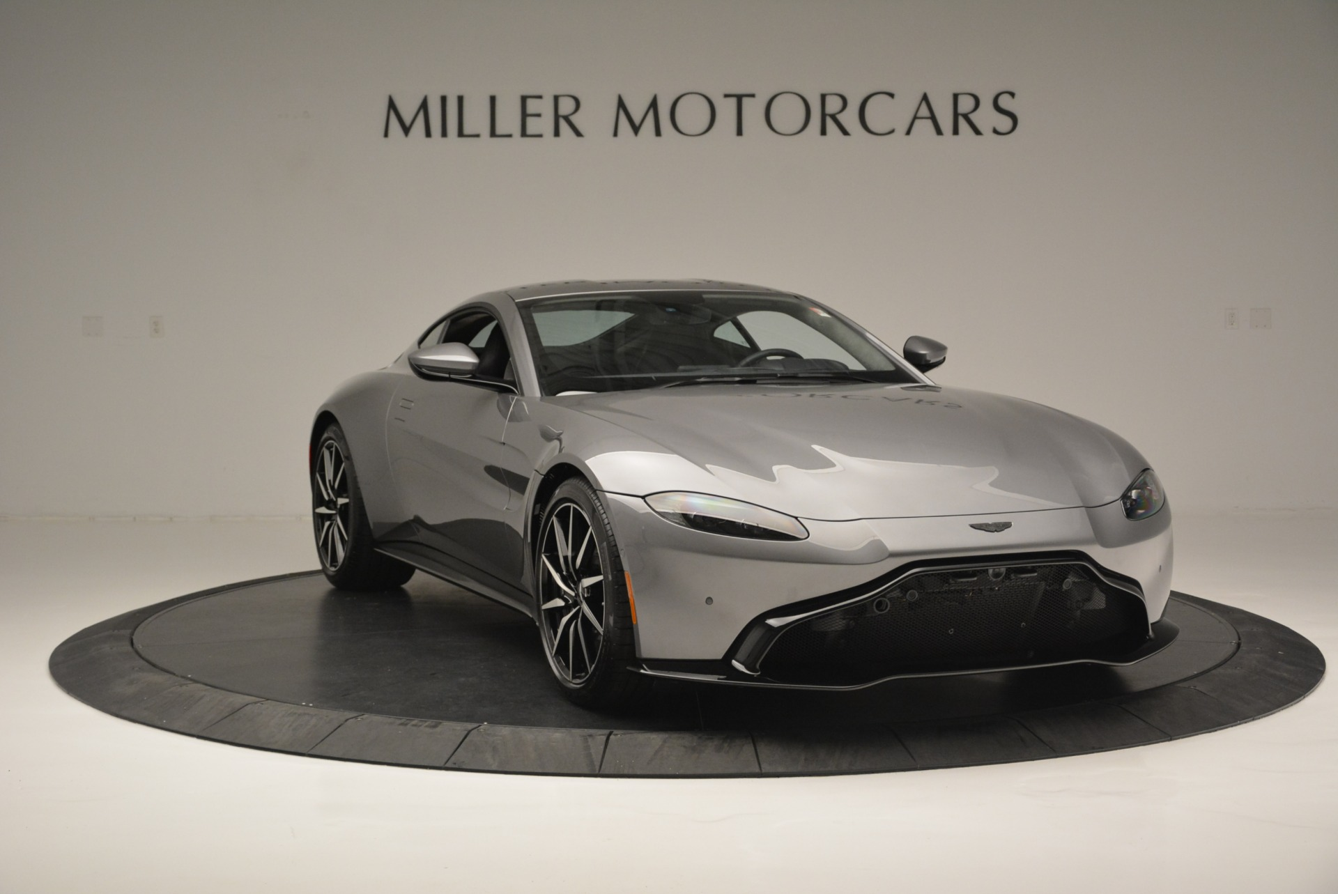 New 2019 Aston Martin Vantage  | Greenwich, CT