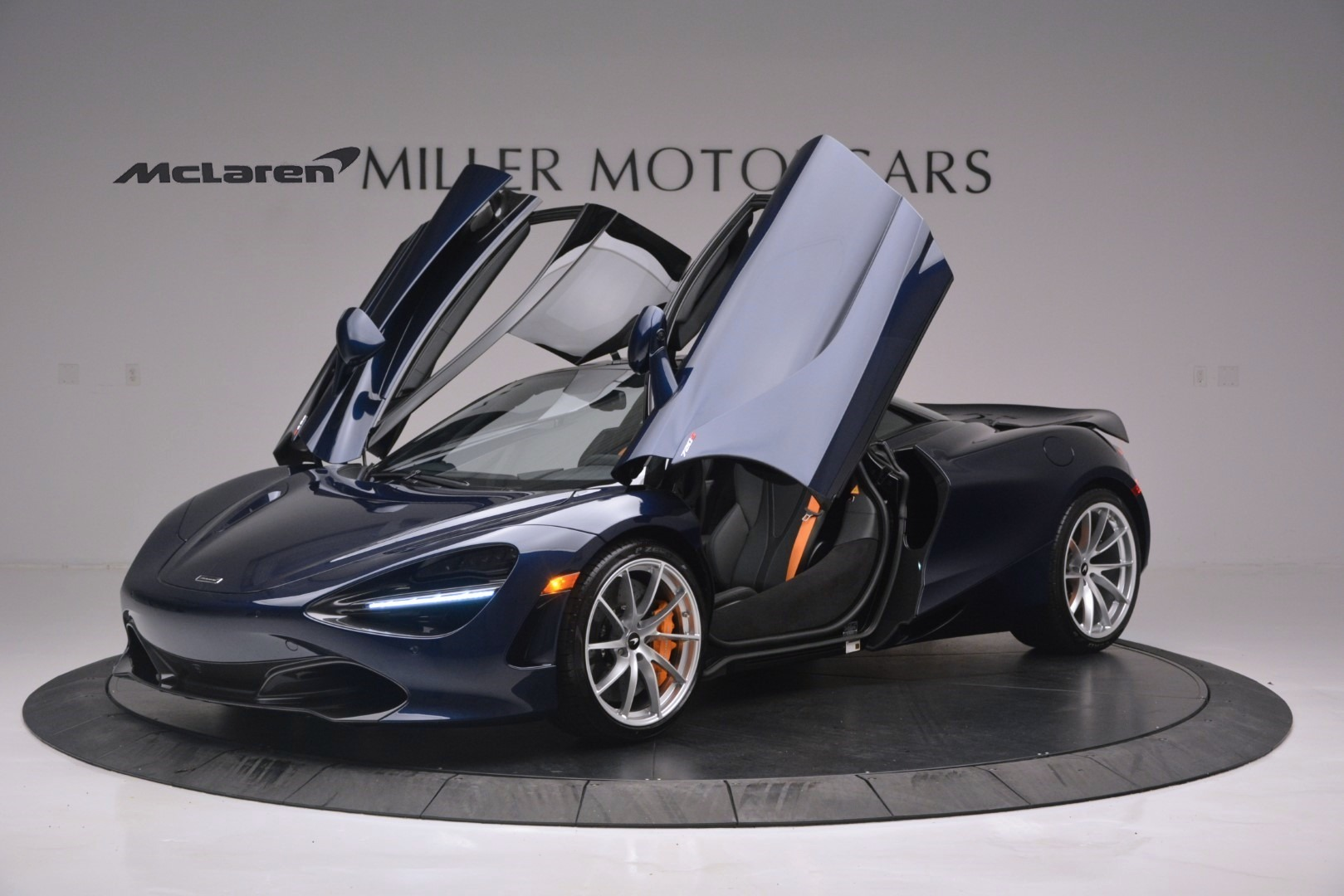 New 2019 McLaren 720S Coupe | Greenwich, CT