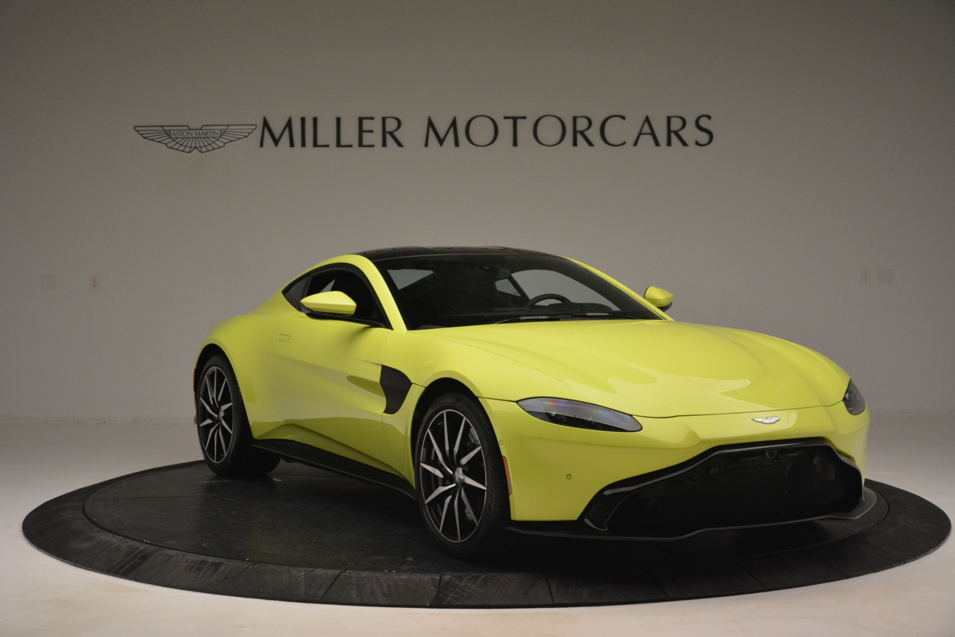 Used 2019 Aston Martin Vantage  | Greenwich, CT