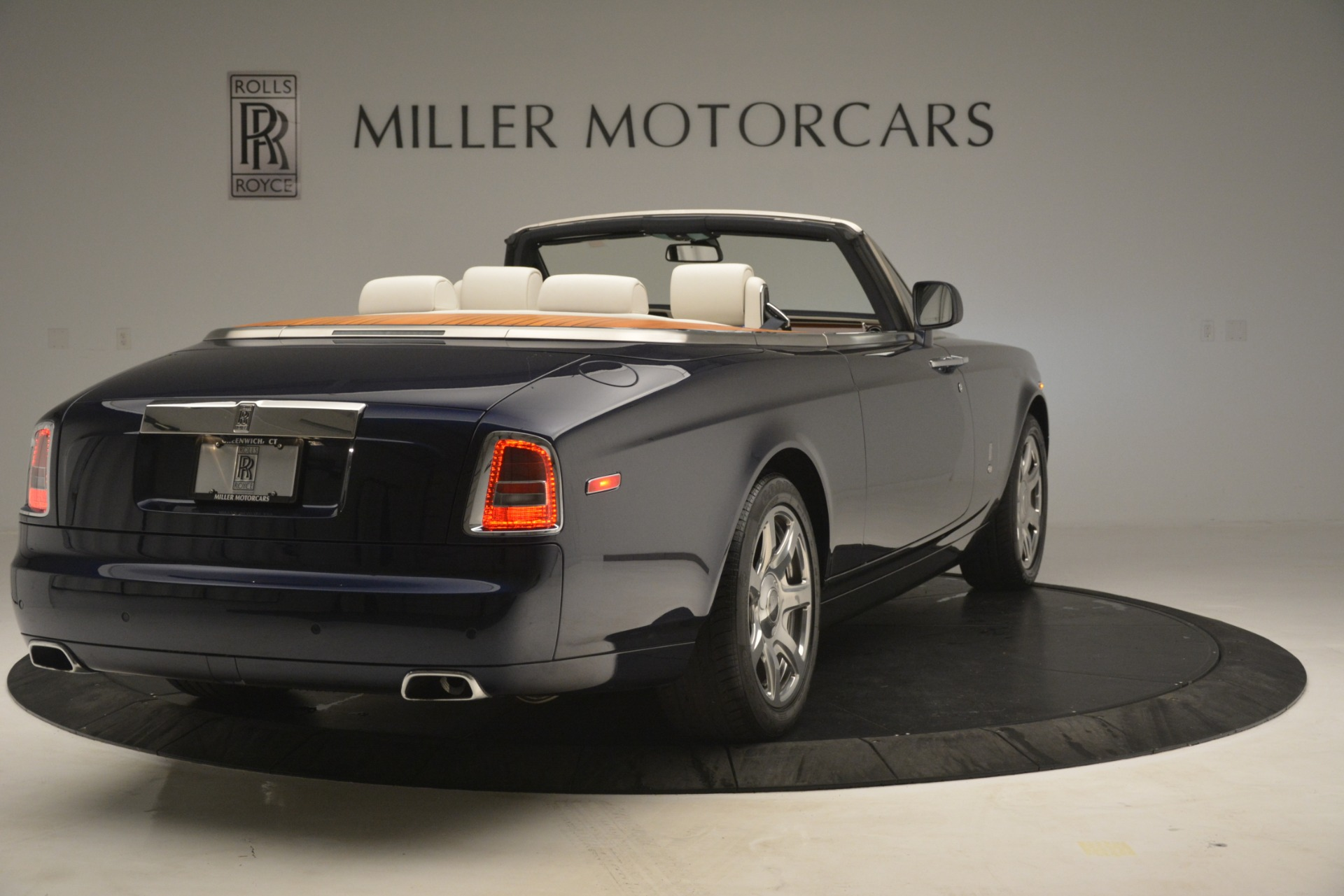 Used 2013 Rolls-Royce Phantom Drophead Coupe  | Greenwich, CT