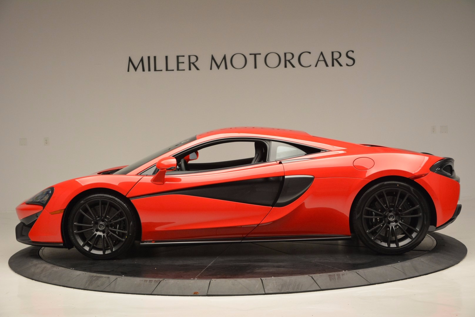 New 2017 McLaren 570S Coupe  | Greenwich, CT