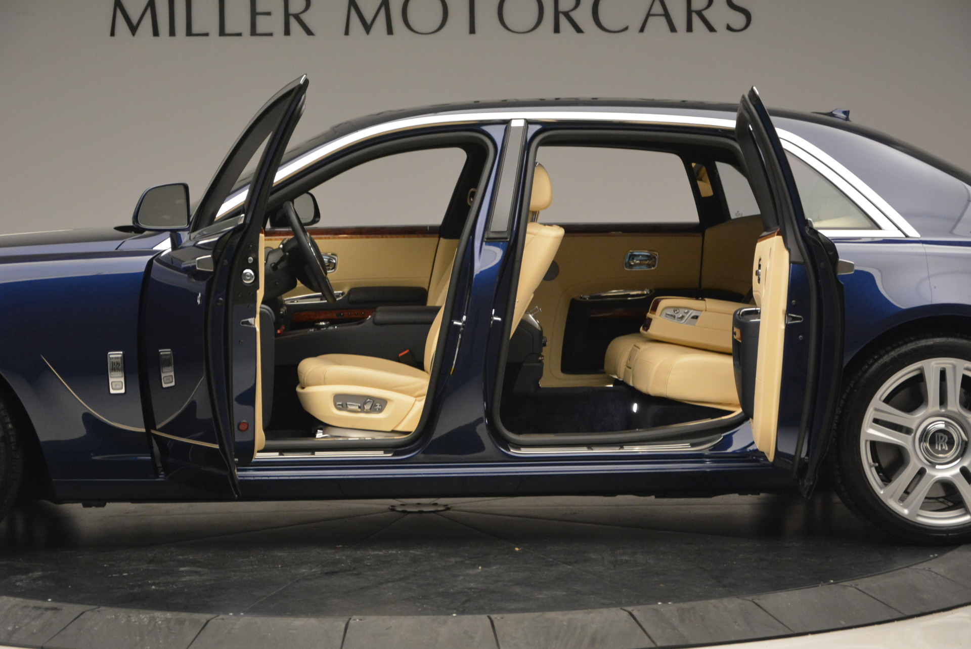 Used 2016 Rolls-Royce Ghost EWB | Greenwich, CT
