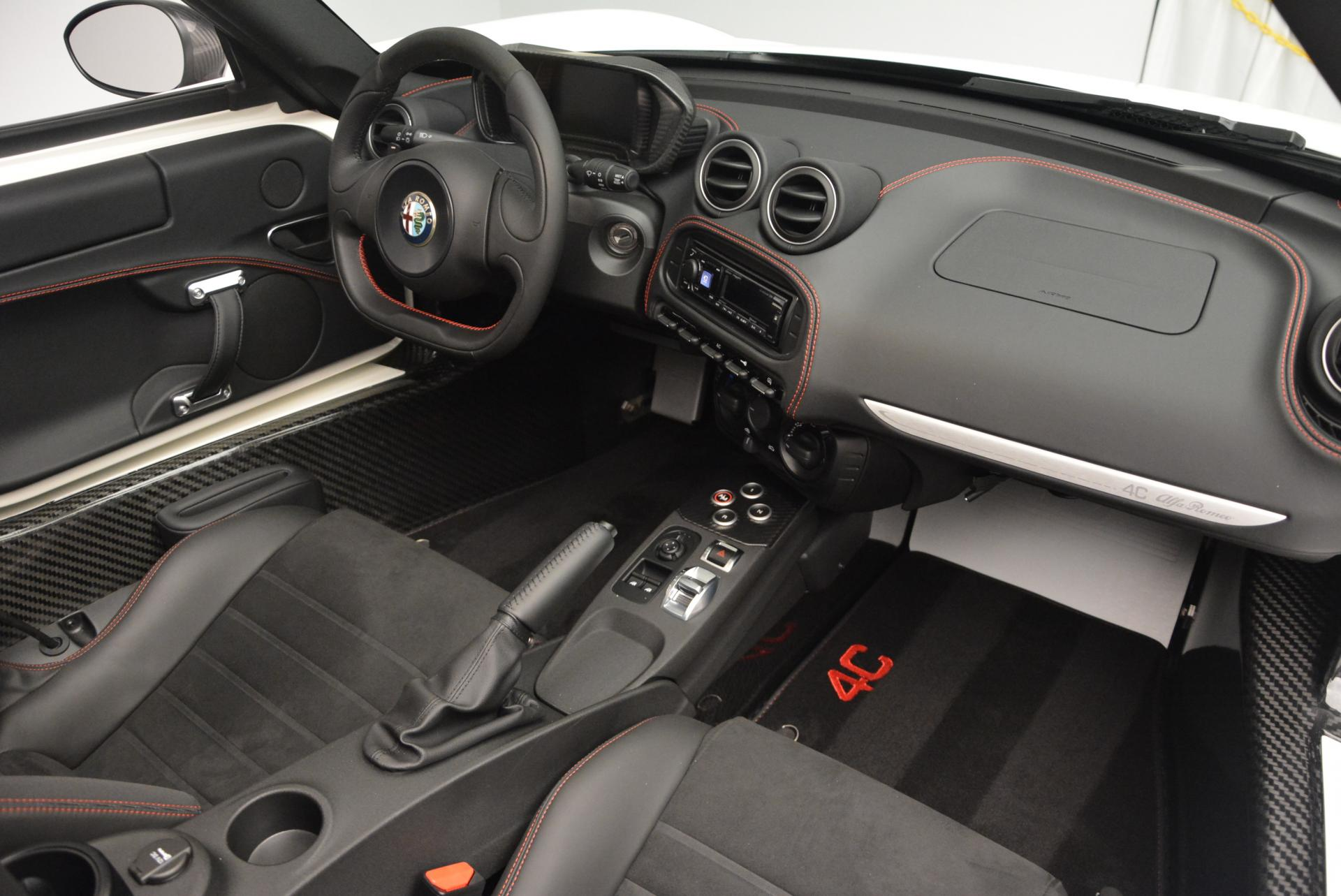 New-2015-Alfa-Romeo-4C-Spider