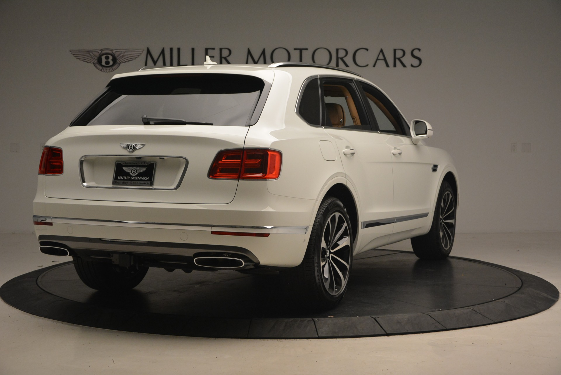 New-2018-Bentley-Bentayga-W12-Signature