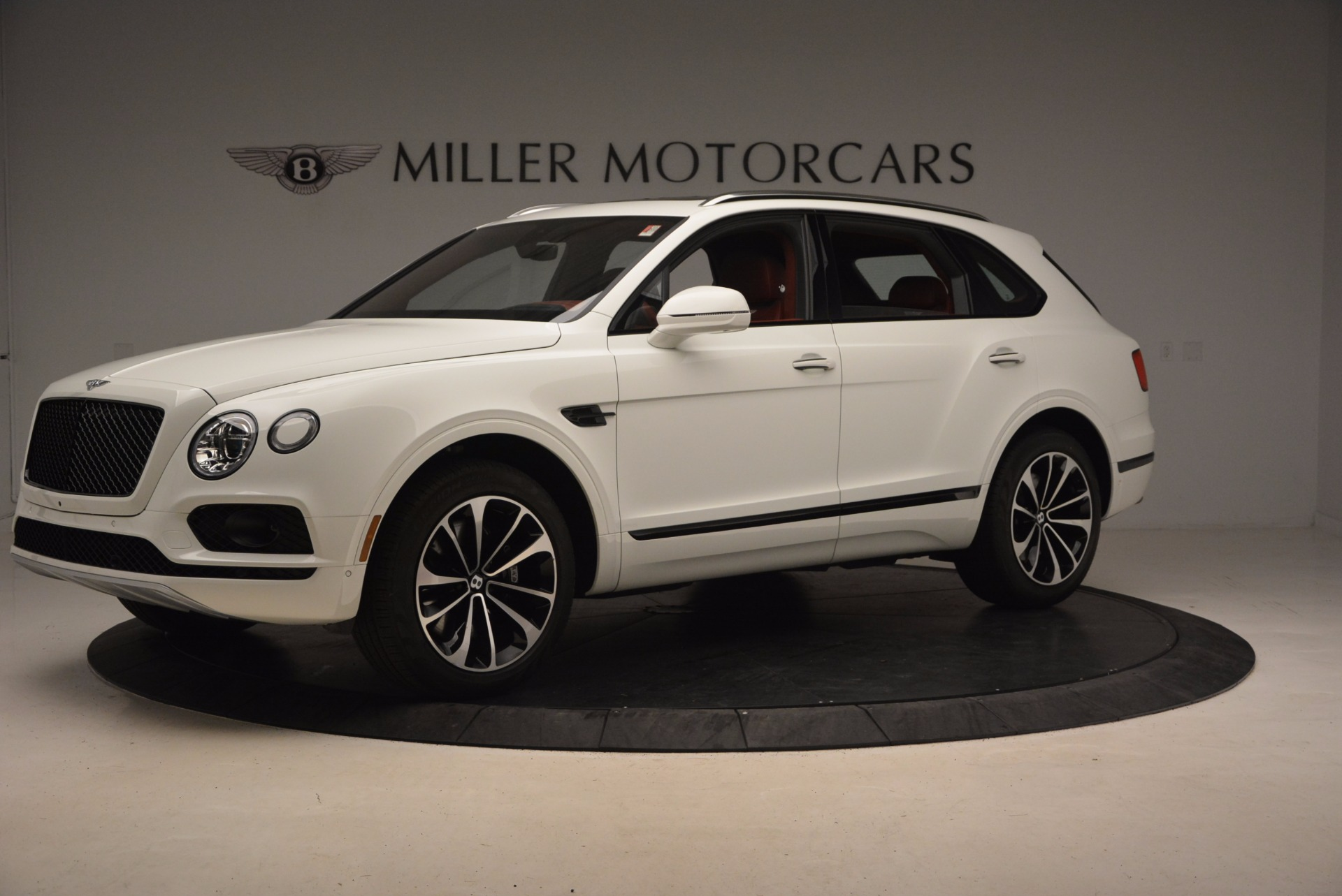 New-2018-Bentley-Bentayga-Onyx