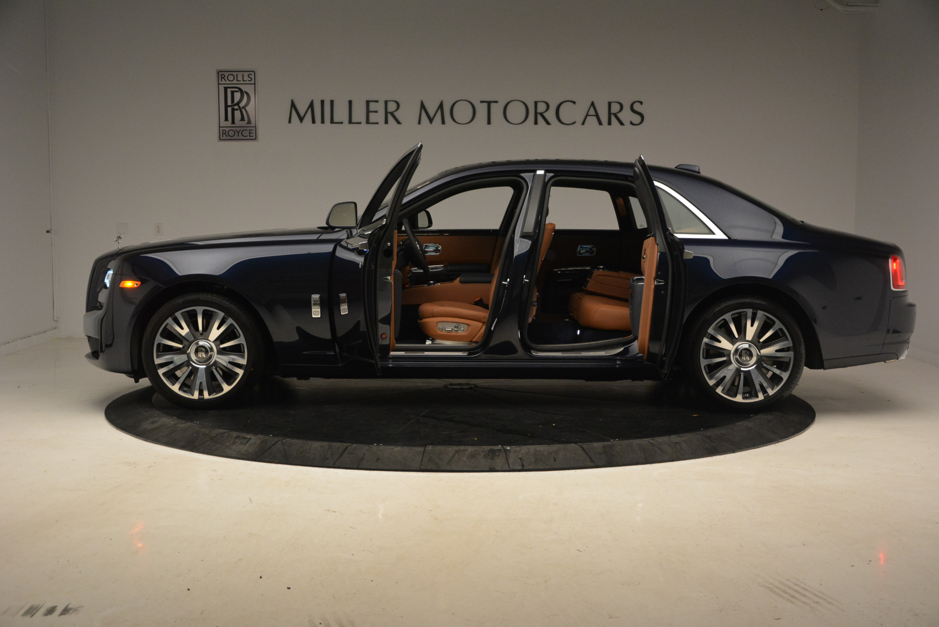 New-2018-Rolls-Royce-Ghost