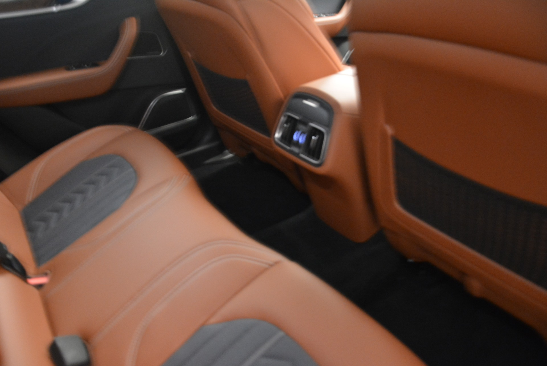 New-2018-Maserati-Levante-Q4-GranLusso