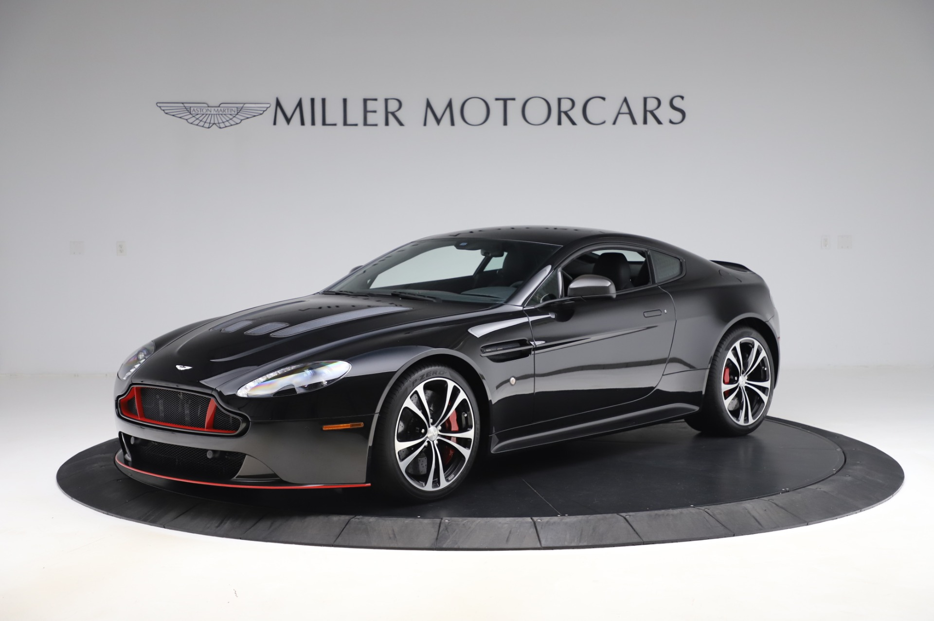 Used 2017 Aston Martin V12 Vantage S Coupe | Greenwich, CT
