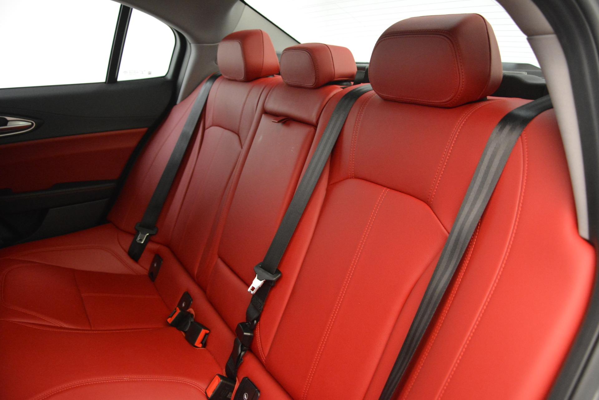 Used-2018-Alfa-Romeo-Giulia-Q4