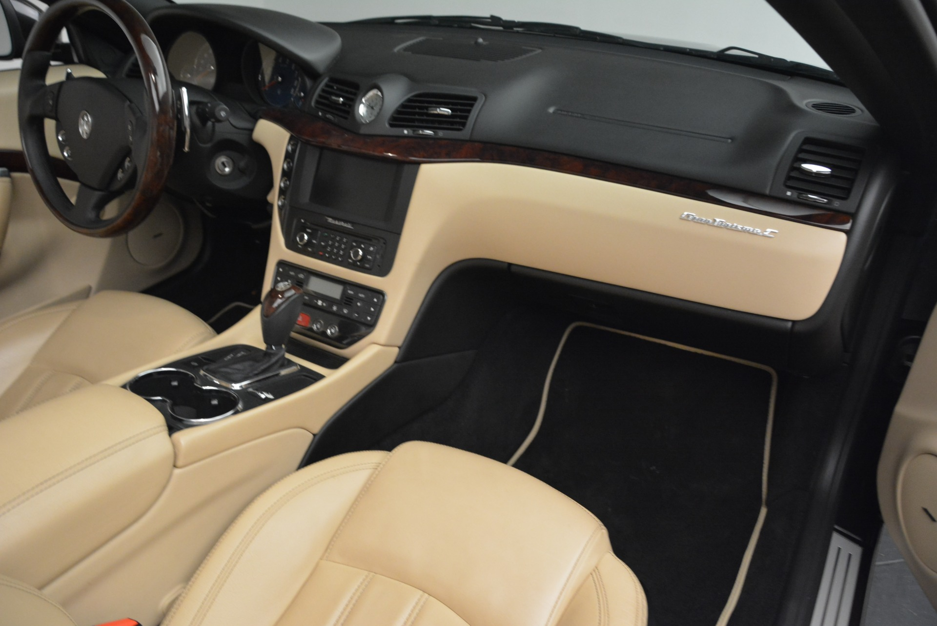 Used-2013-Maserati-GranTurismo-Convertible