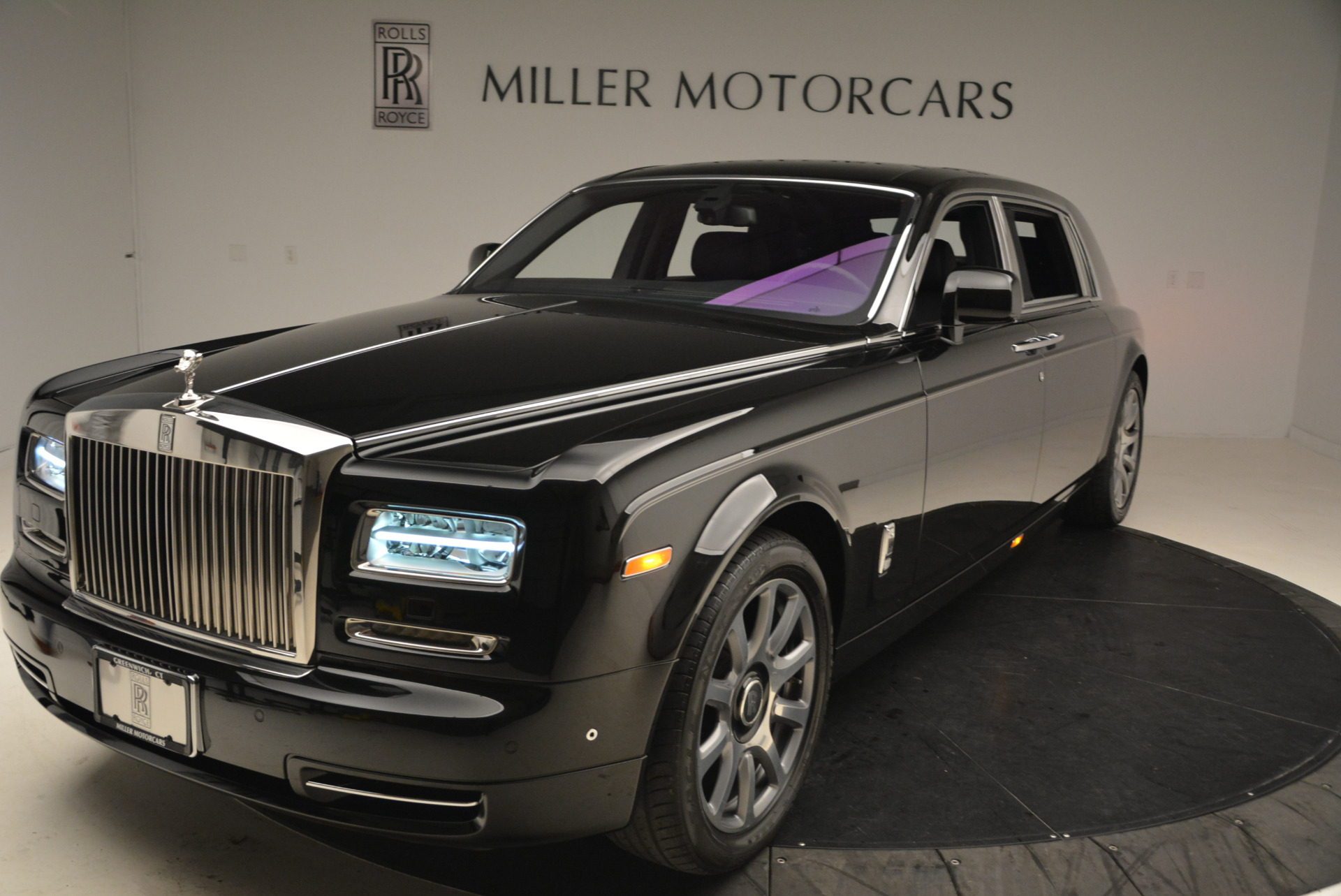 Used-2014-Rolls-Royce-Phantom-EWB