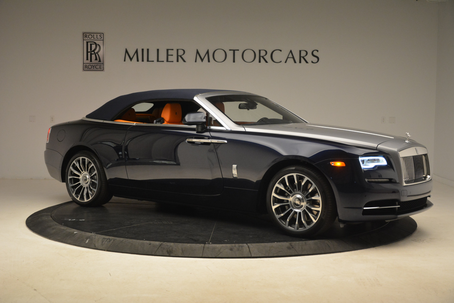 New-2018-Rolls-Royce-Dawn