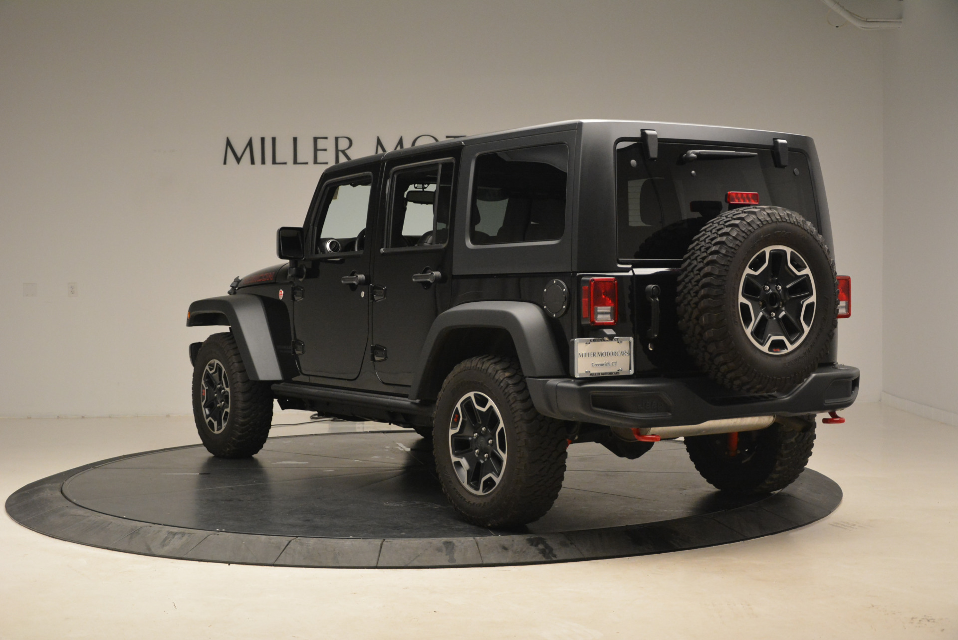Used-2016-Jeep-Wrangler-Unlimited-Rubicon