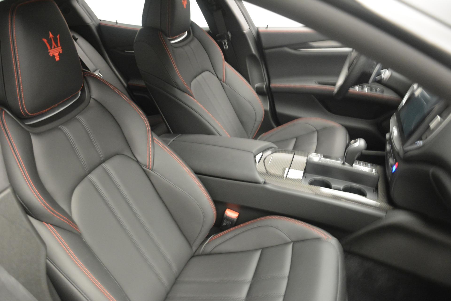 New-2018-Maserati-Ghibli-SQ4-GranSport-Nerissimo