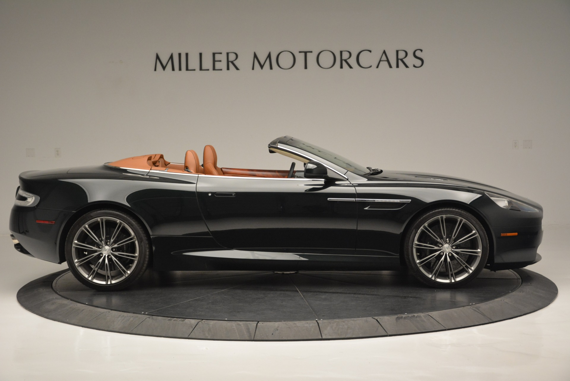 Used-2012-Aston-Martin-Virage-Volante
