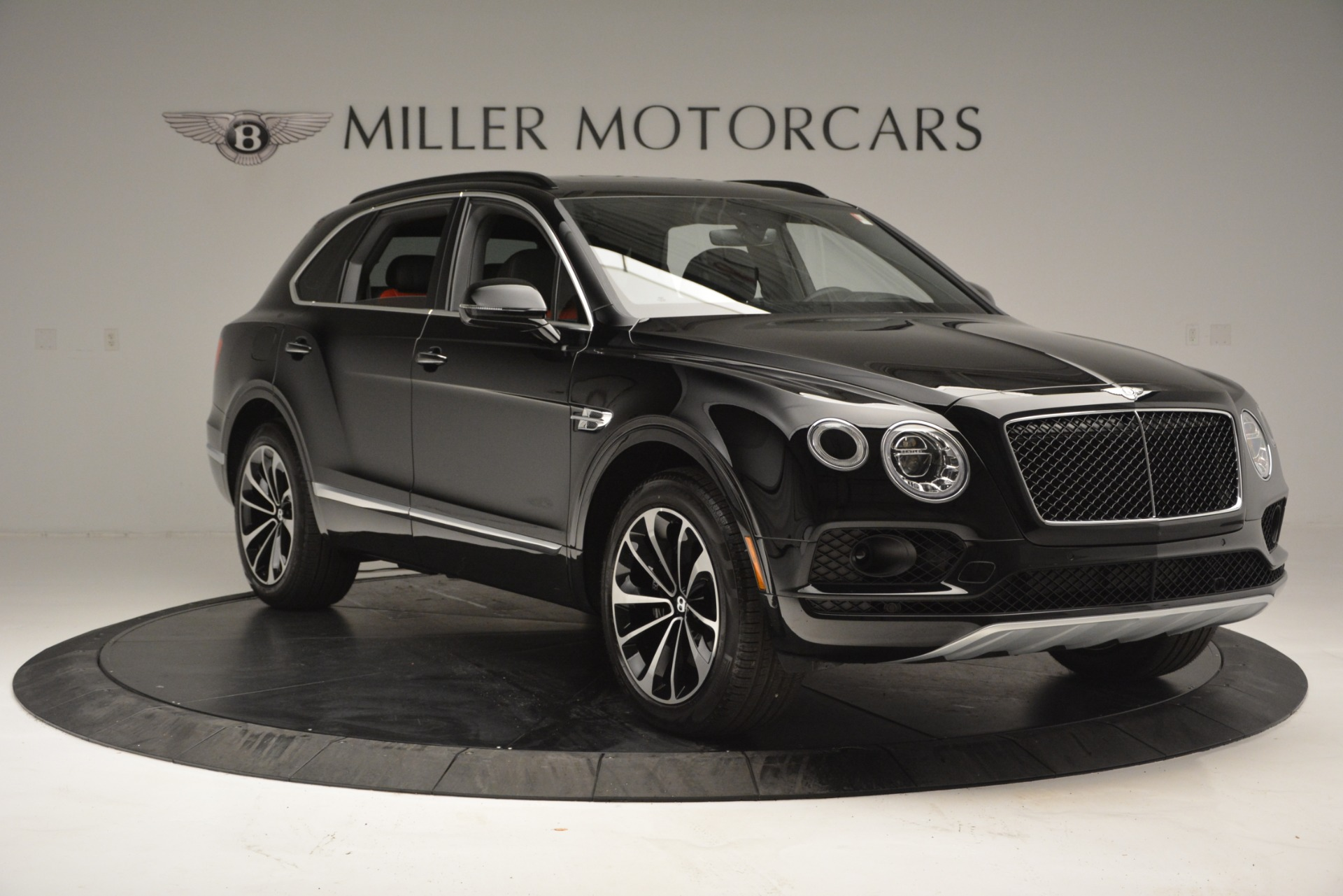 New-2019-Bentley-Bentayga-V8