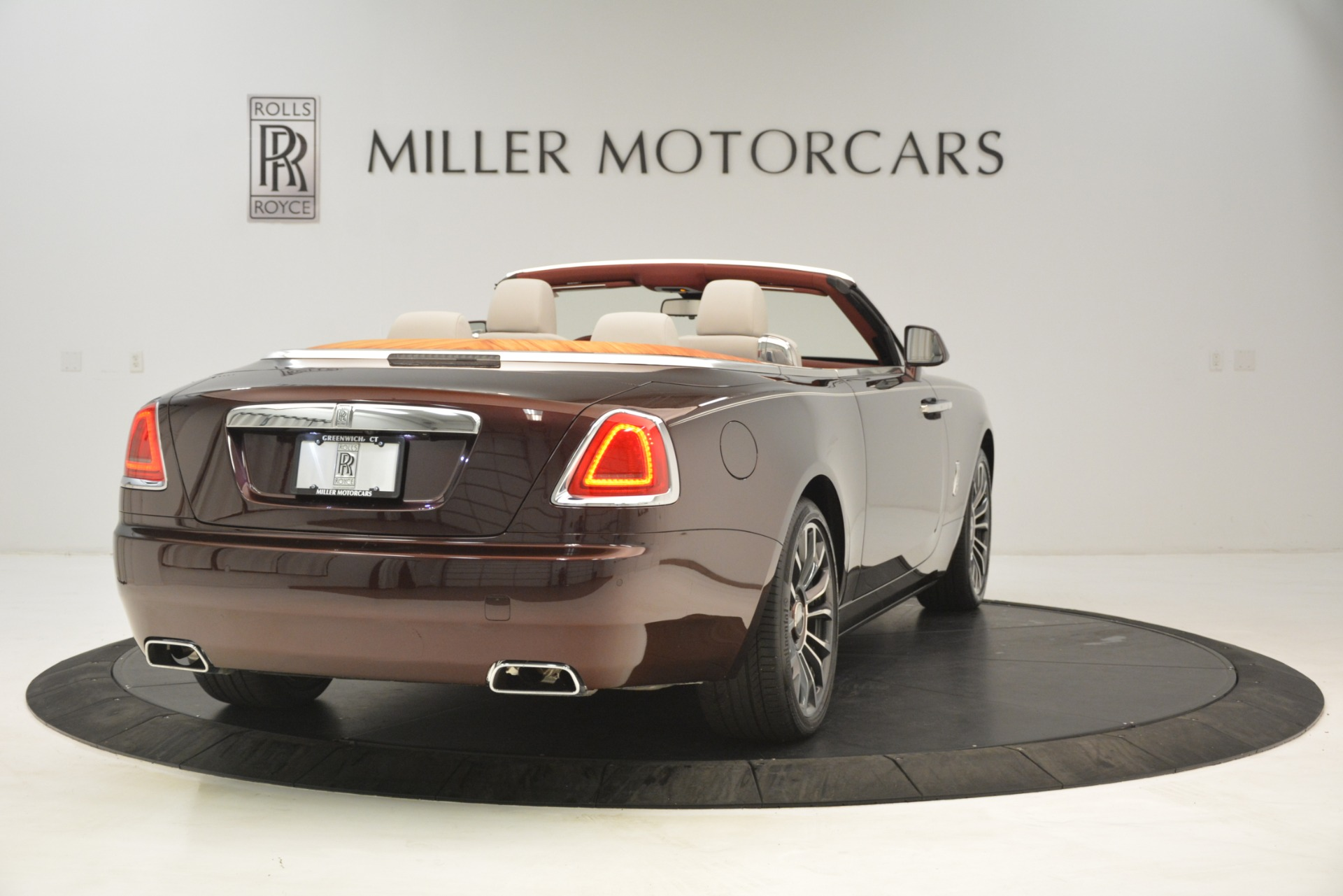 Used-2019-Rolls-Royce-Dawn