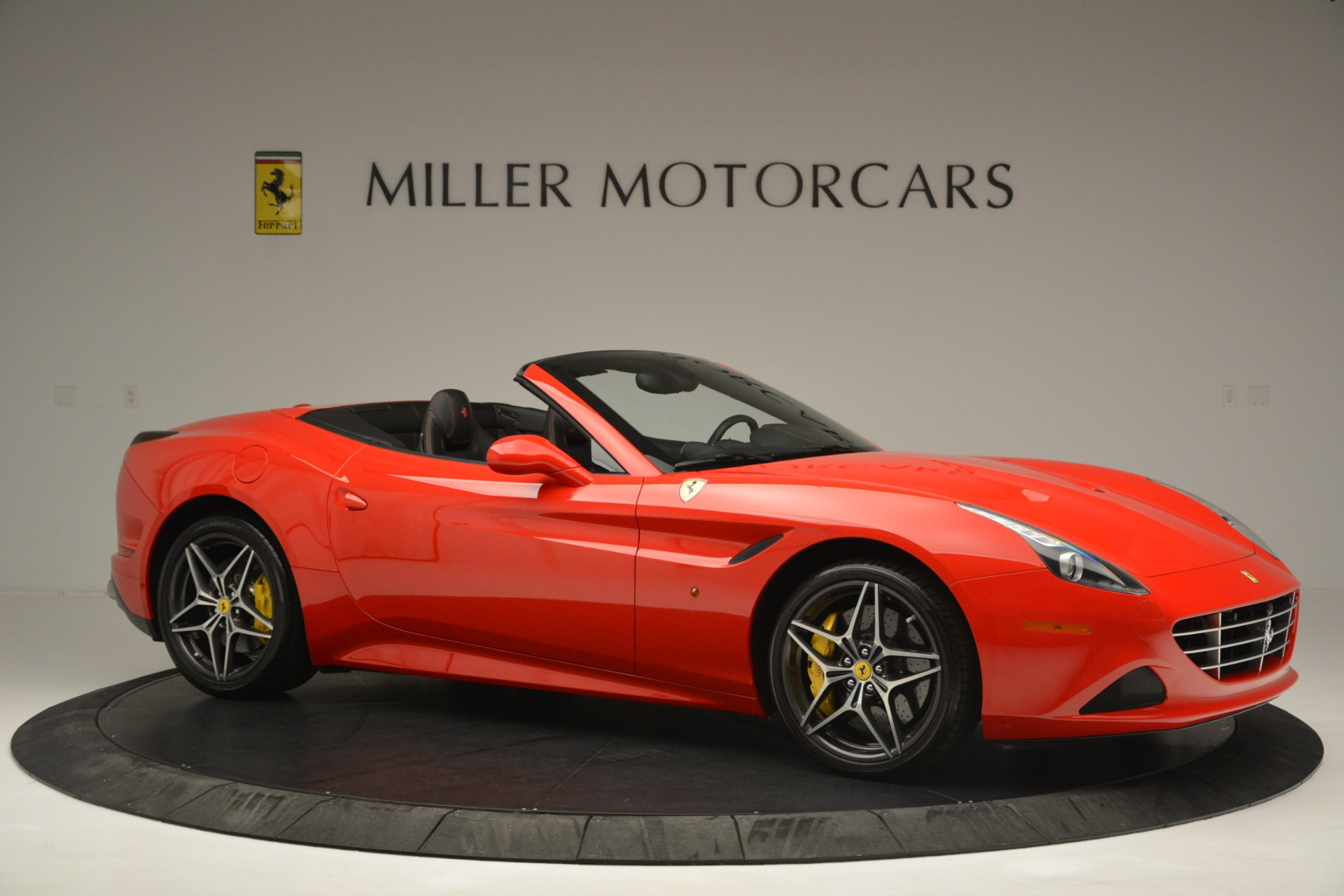 Used-2016-Ferrari-California-T