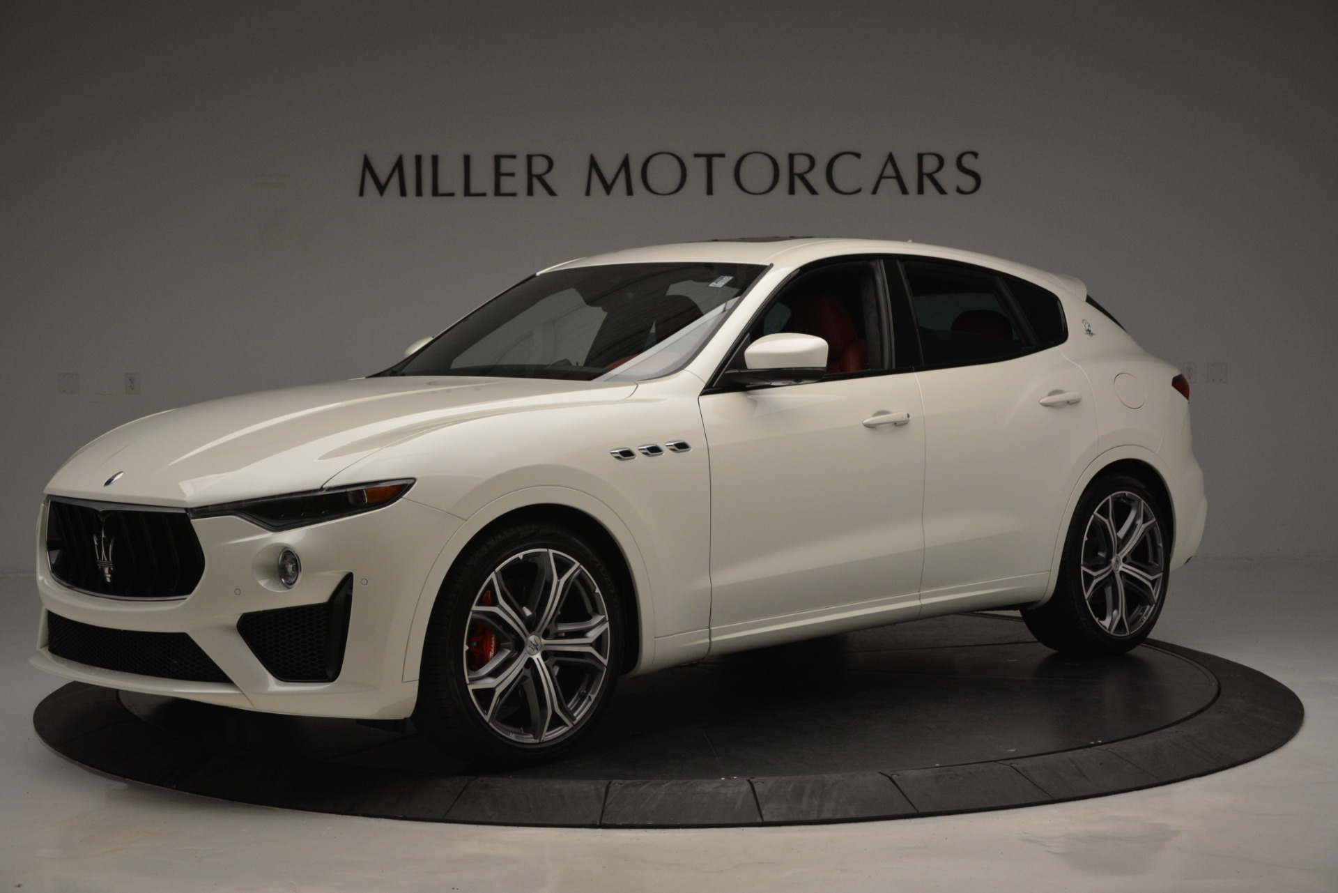 New-2019-Maserati-Levante-GTS