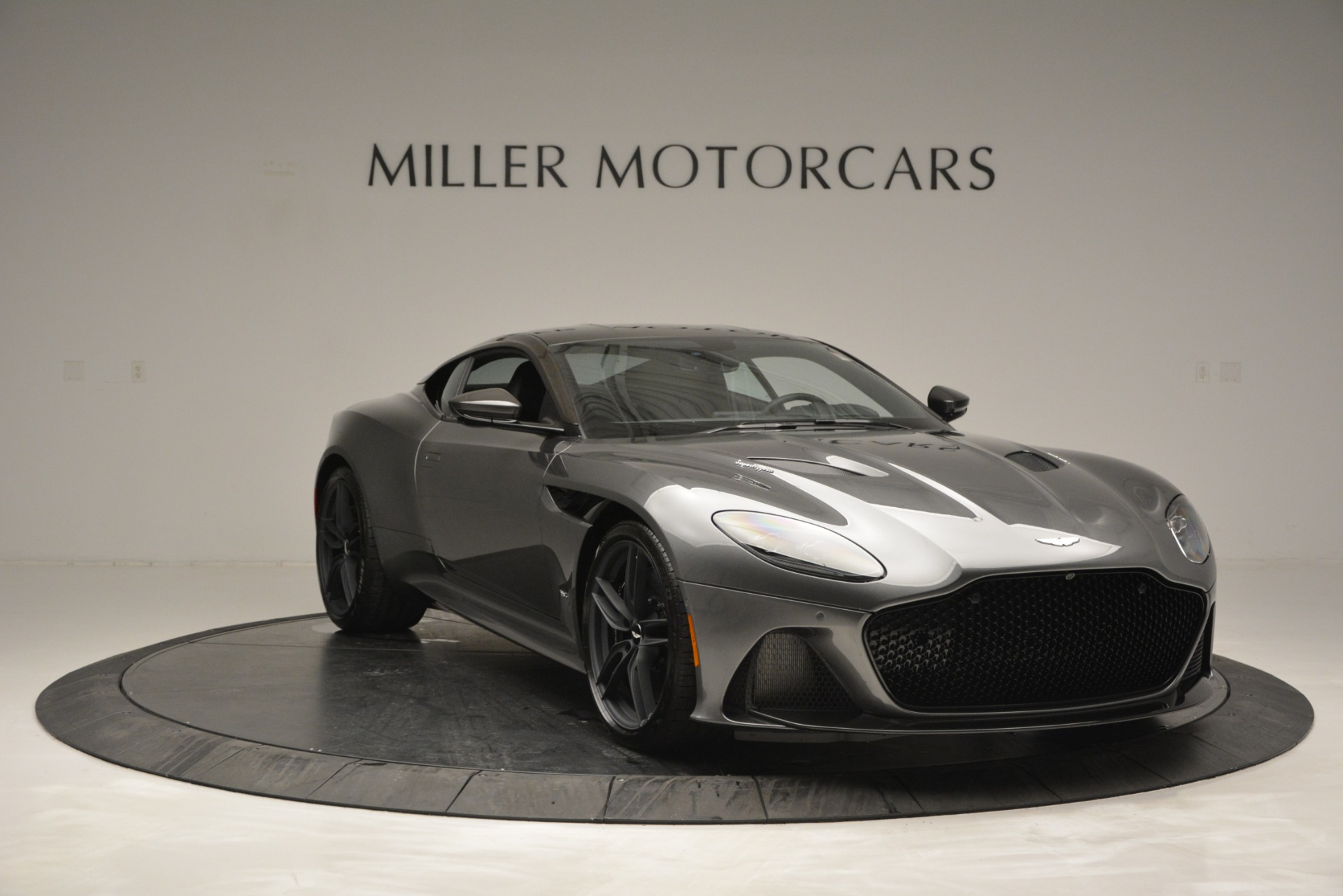 Used-2019-Aston-Martin-DBS-Superleggera