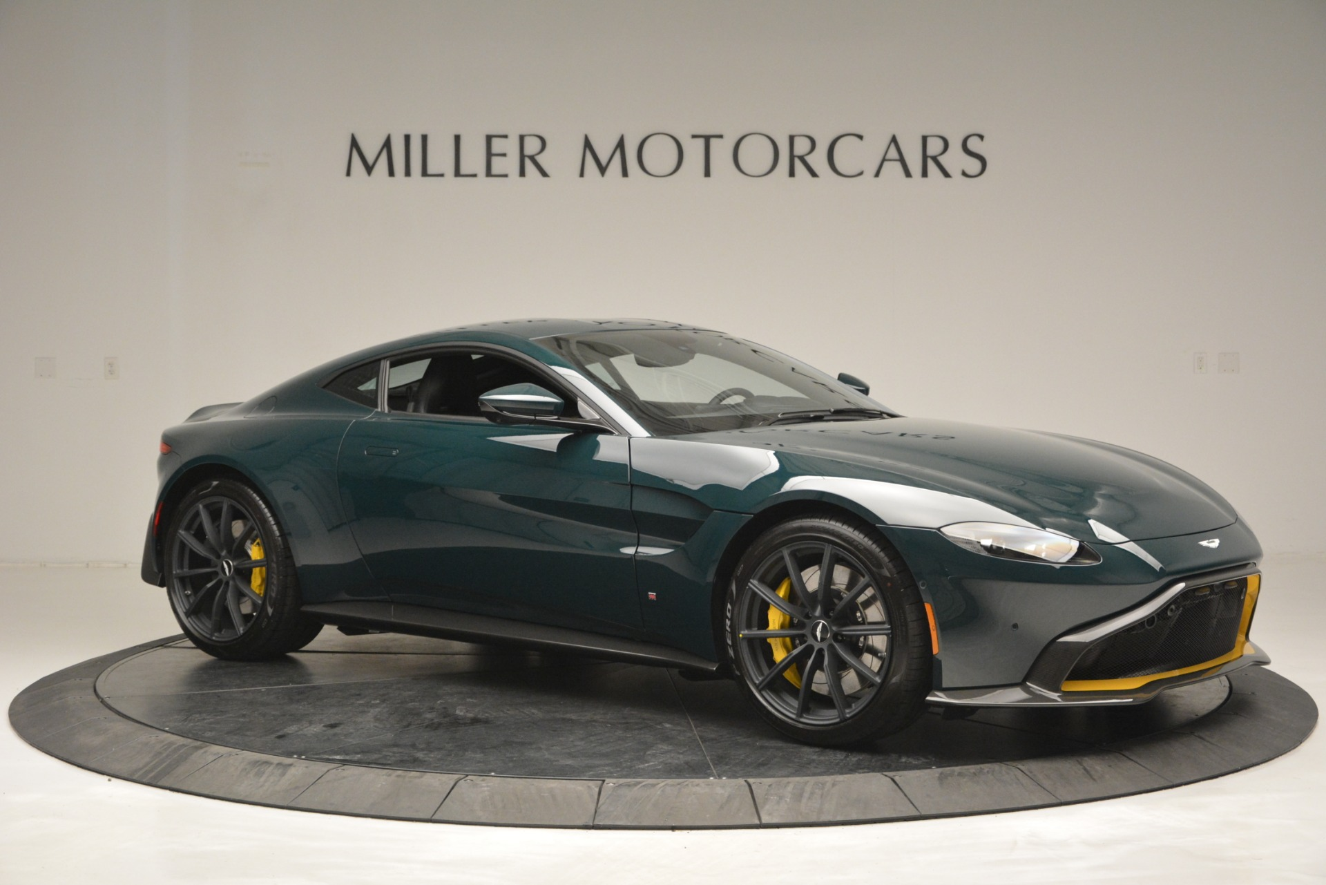 Used-2019-Aston-Martin-Vantage-Coupe