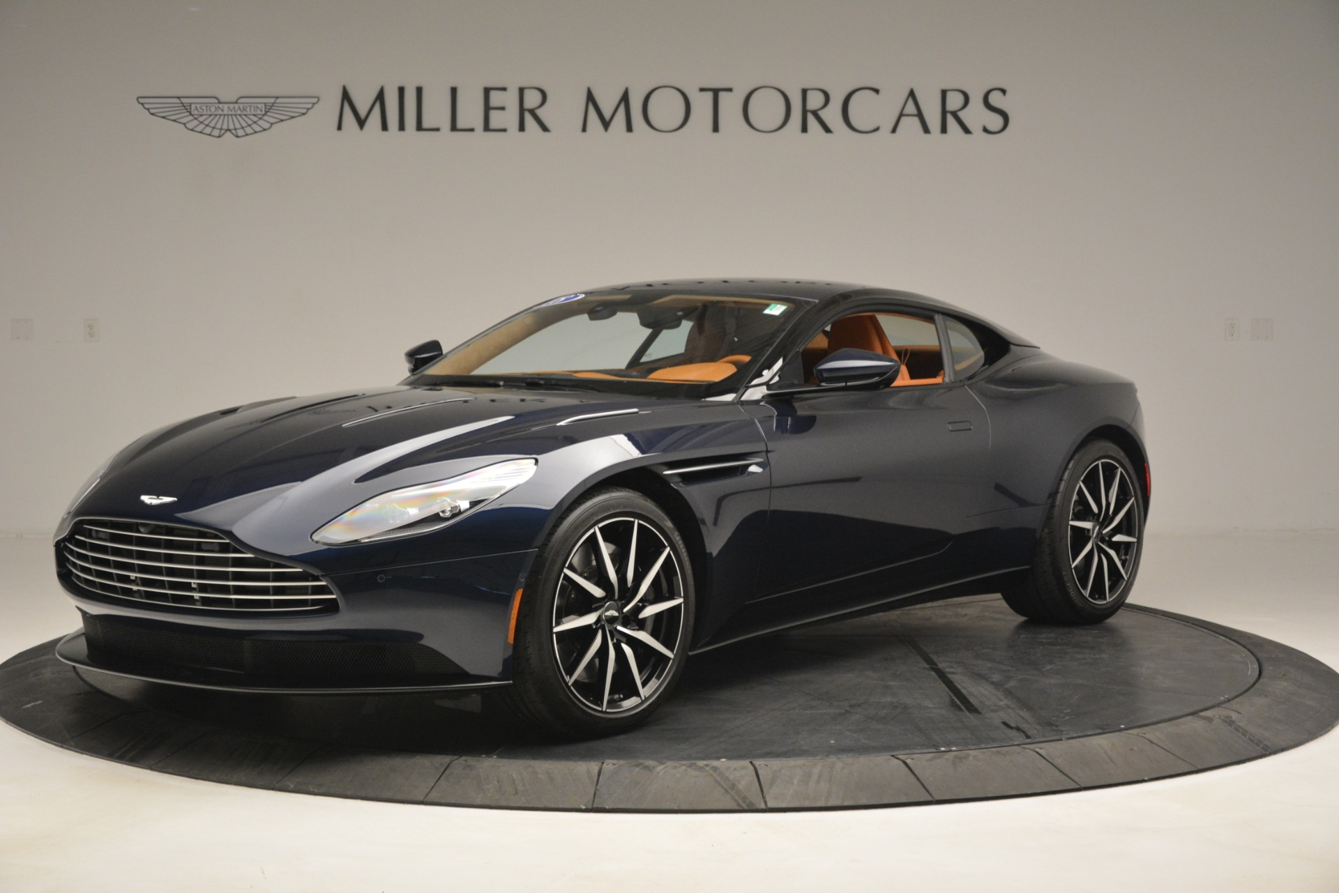 Used-2018-Aston-Martin-DB11-V12-Coupe