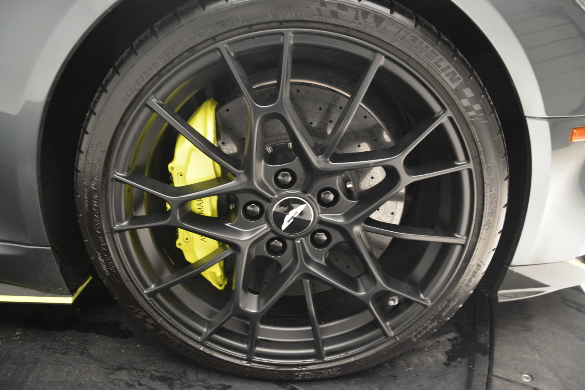New-2019-Aston-Martin-Rapide-V12-AMR