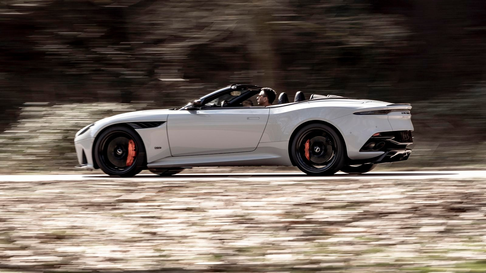 New-2020-Aston-Martin-DBS-Convertible
