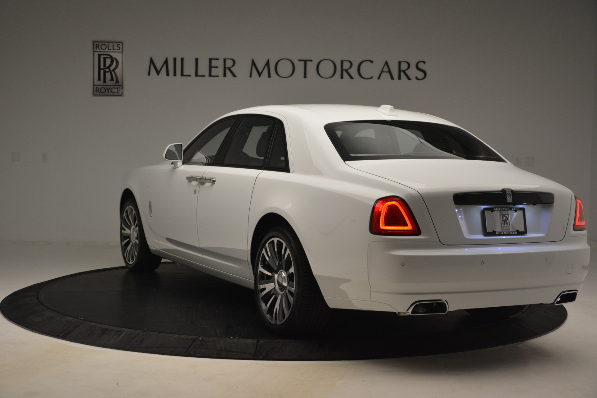 New-2019-Rolls-Royce-Ghost