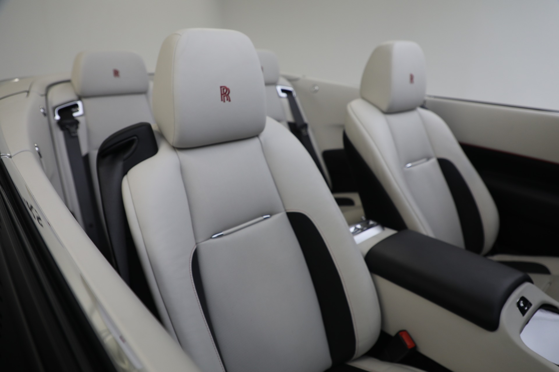 New-2019-Rolls-Royce-Dawn