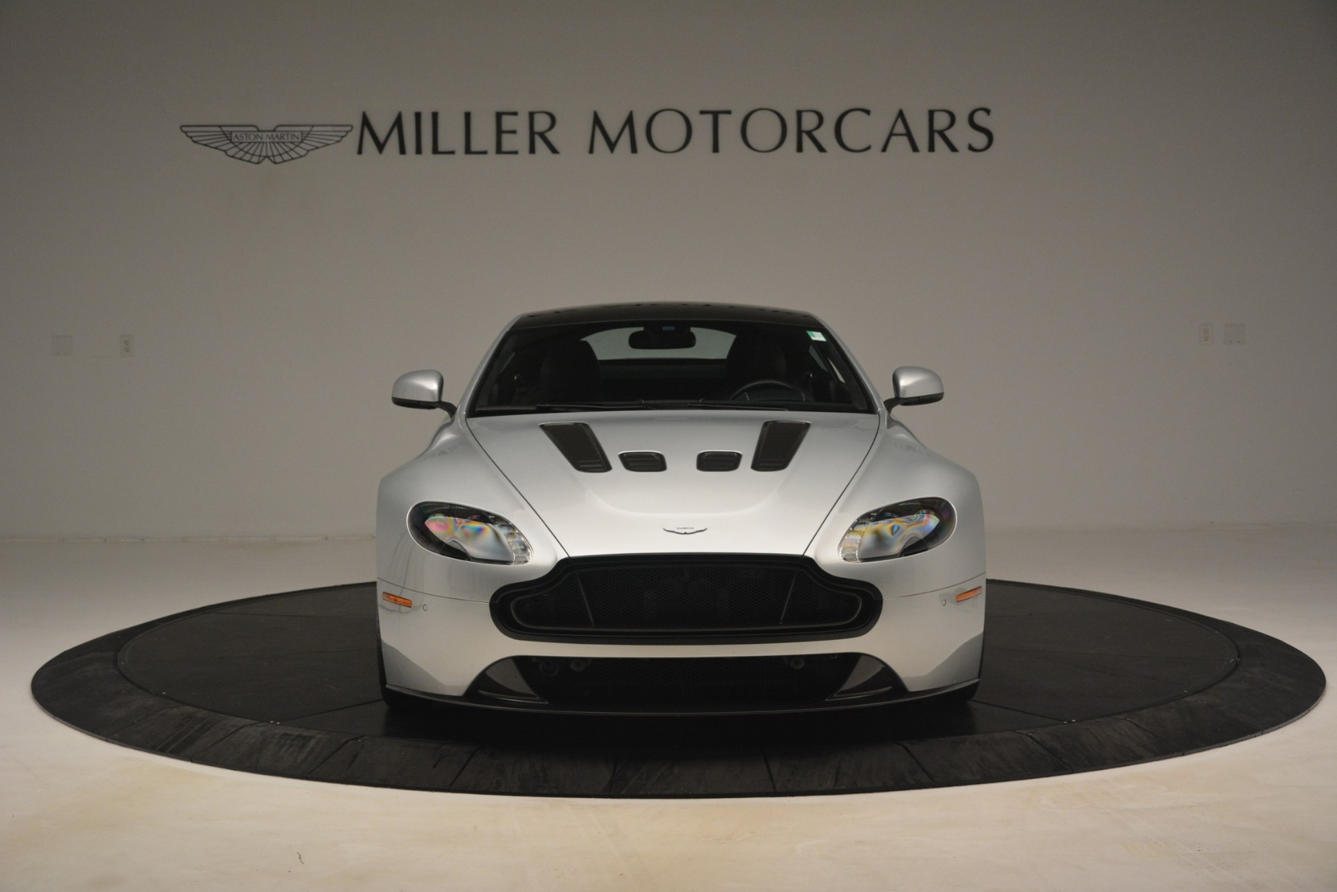 Used-2015-Aston-Martin-V12-Vantage-S-Coupe