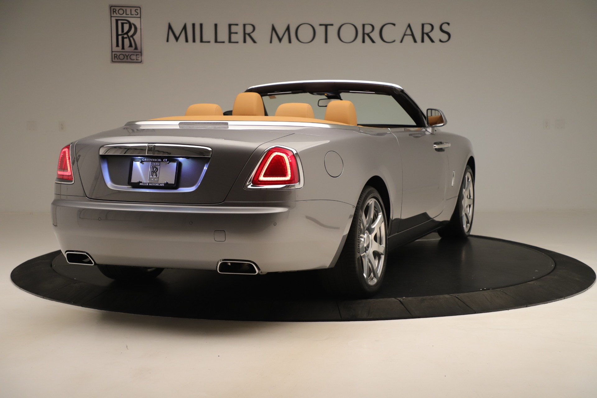 Used-2016-Rolls-Royce-Dawn