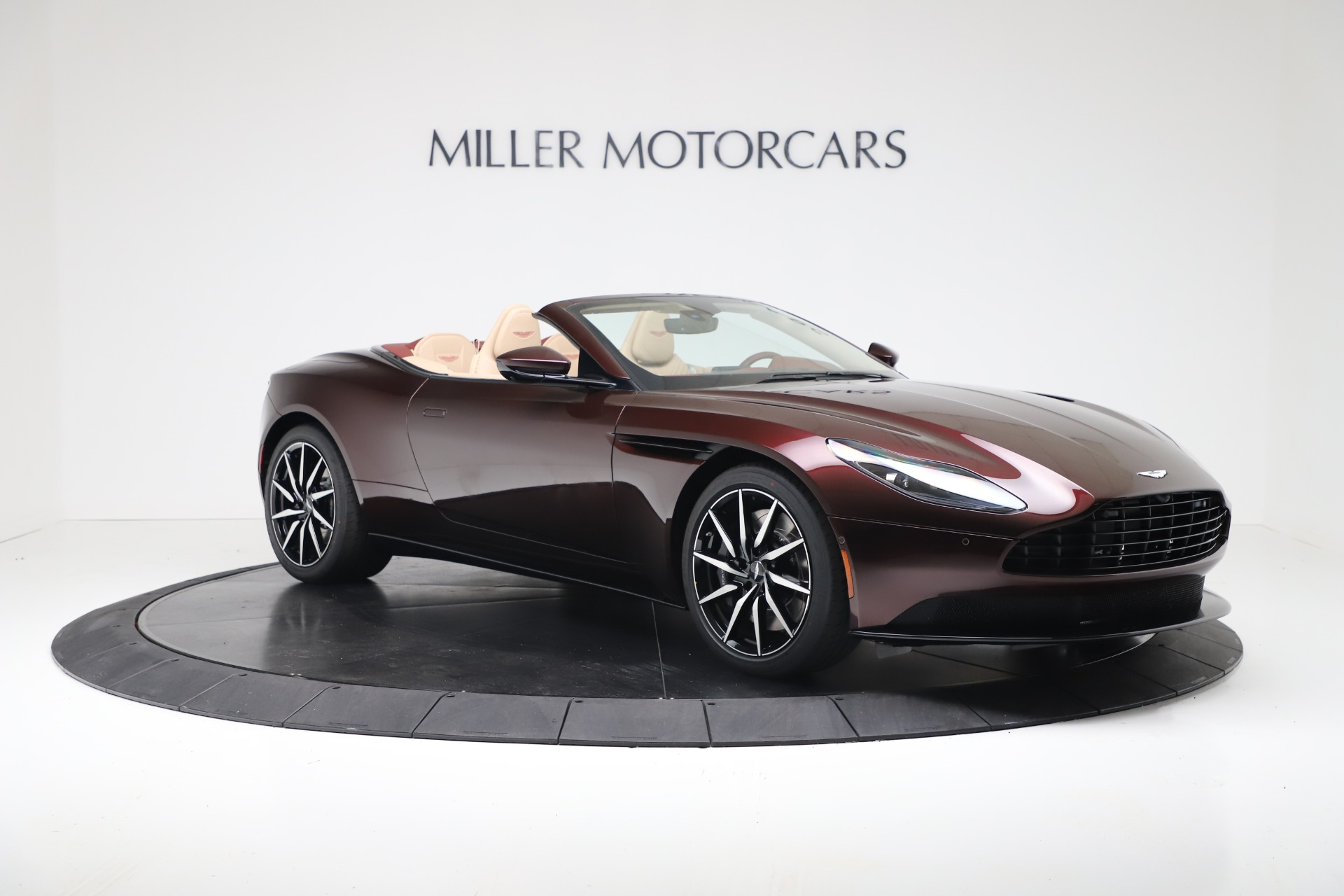 Pre Owned 2020 Aston Martin Db11 Volante For Sale Miller Motorcars Stock 7905