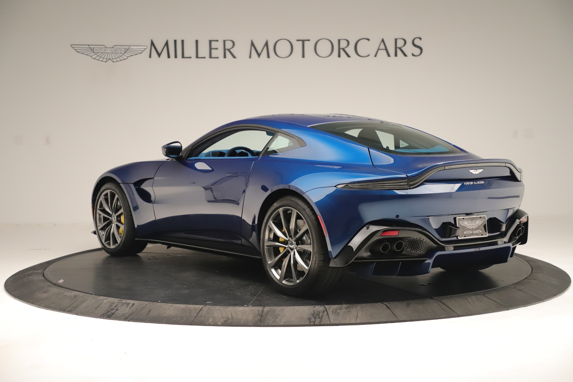 Pre Owned 2020 Aston Martin Vantage Coupe For Sale 159 990 Miller Motorcars Stock A1402b