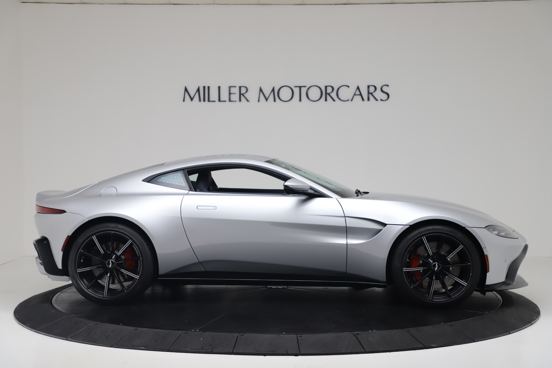 Used-2020-Aston-Martin-Vantage-Coupe