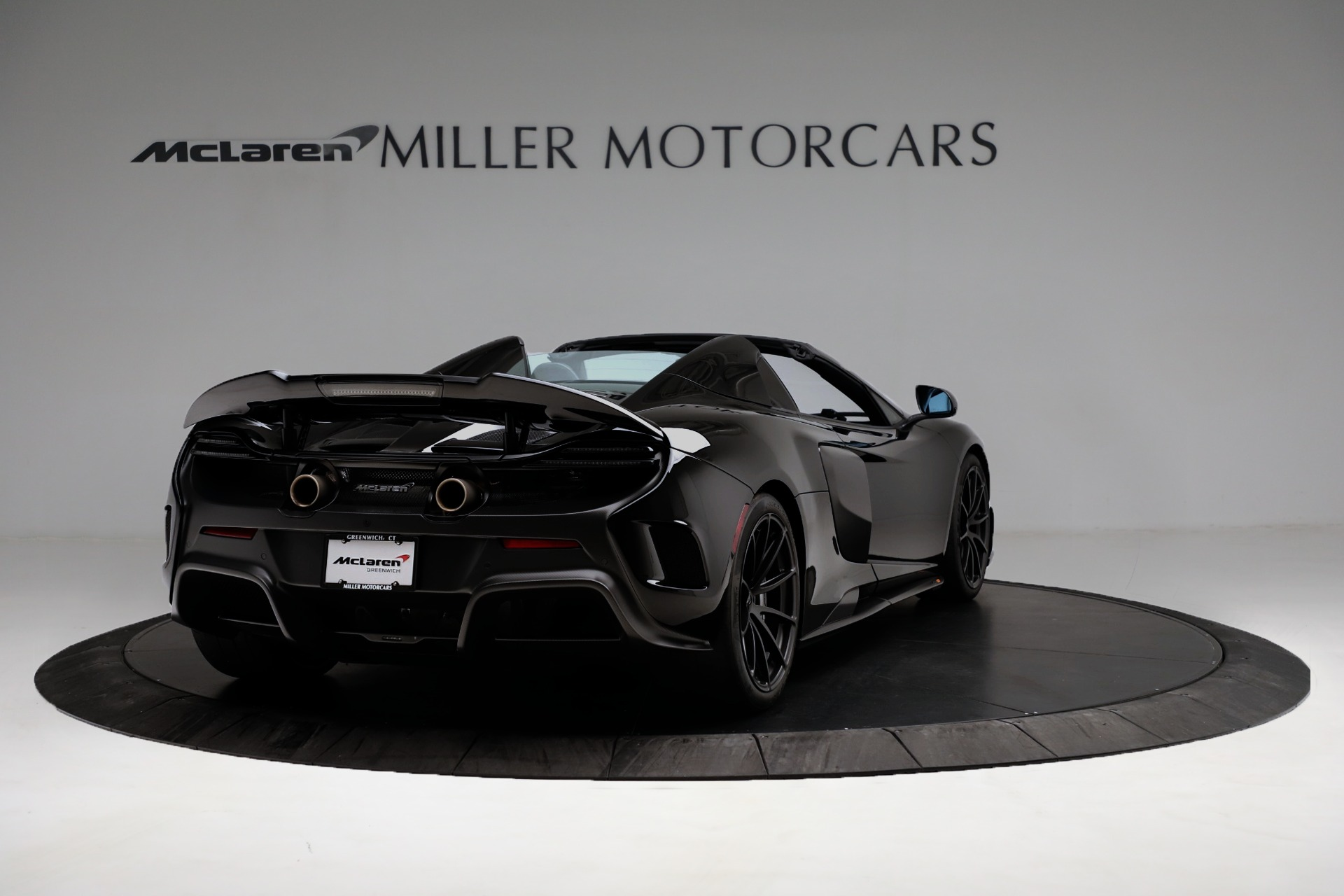 Used-2016-McLaren-675LT-Convertible