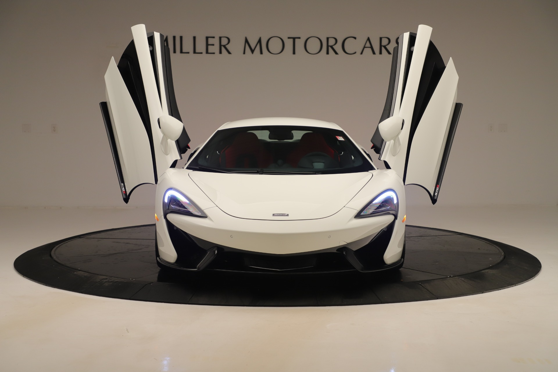 2020 McLaren 570S Coupe Interior