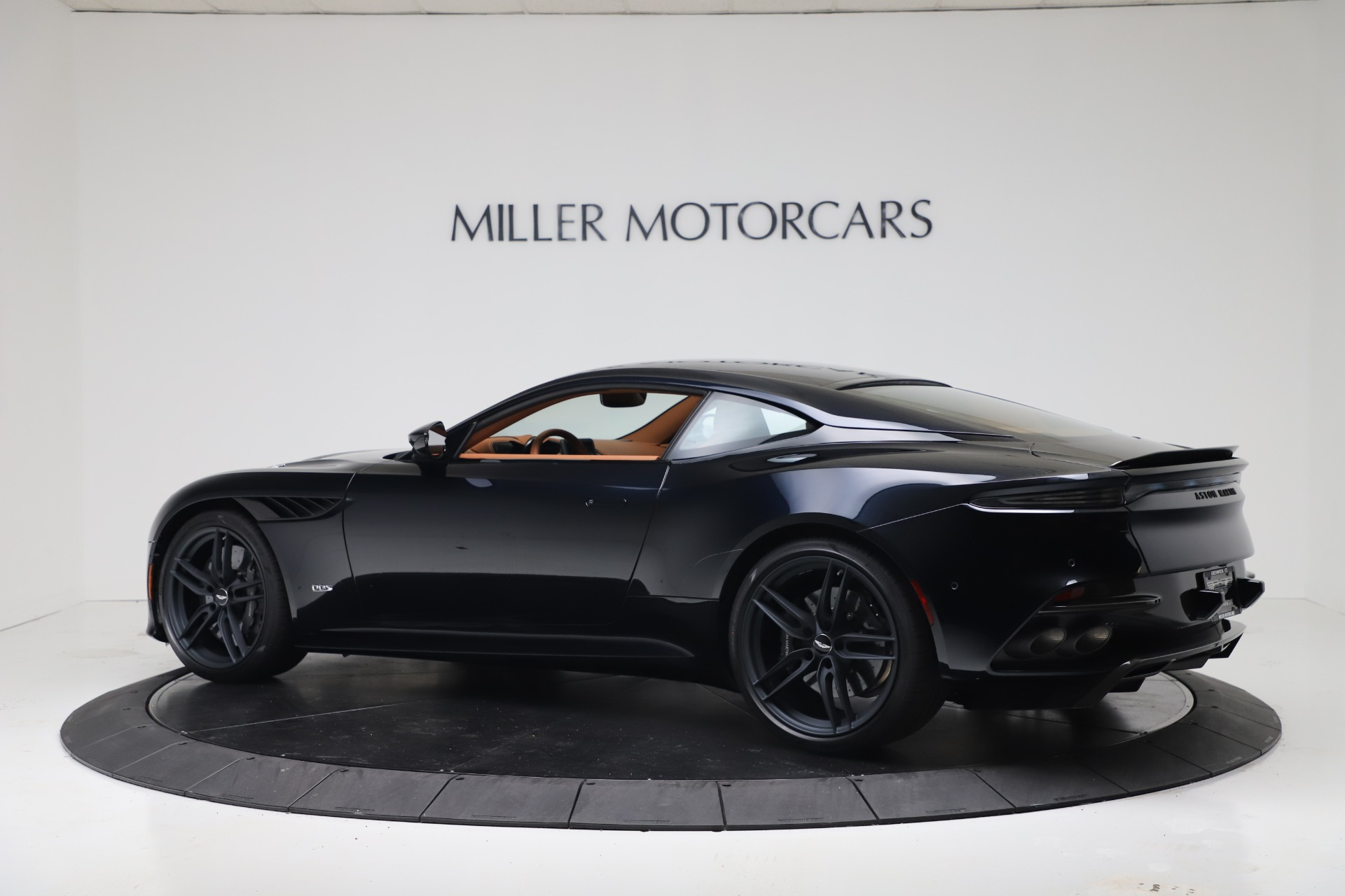 New-2020-Aston-Martin-DBS-Superleggera