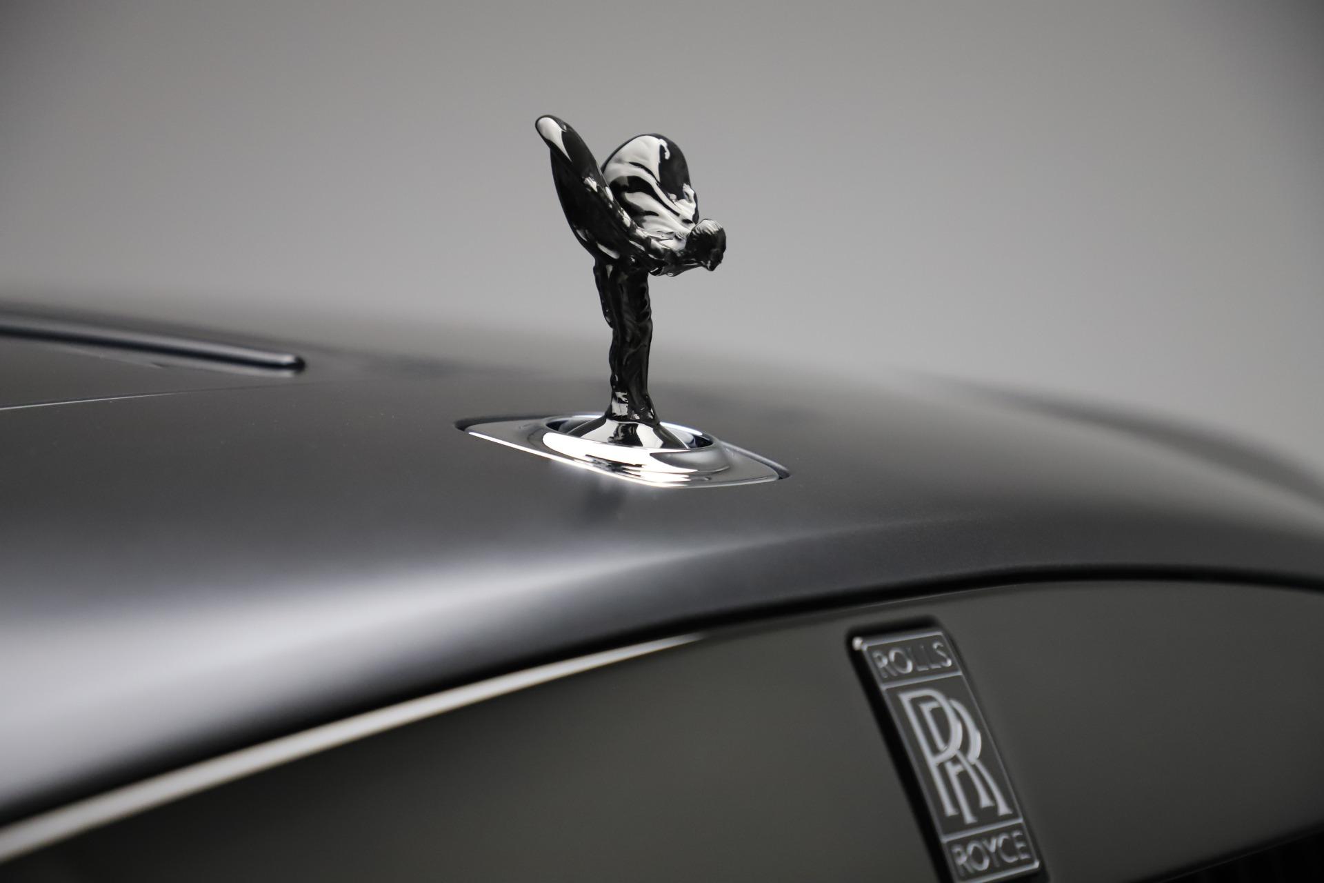 New-2020-Rolls-Royce-Dawn-Black-Badge