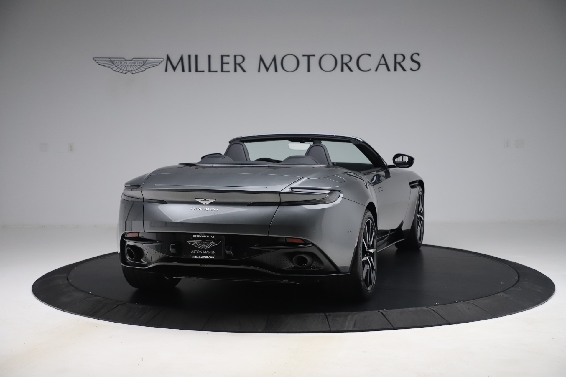 New-2020-Aston-Martin-DB11-V8