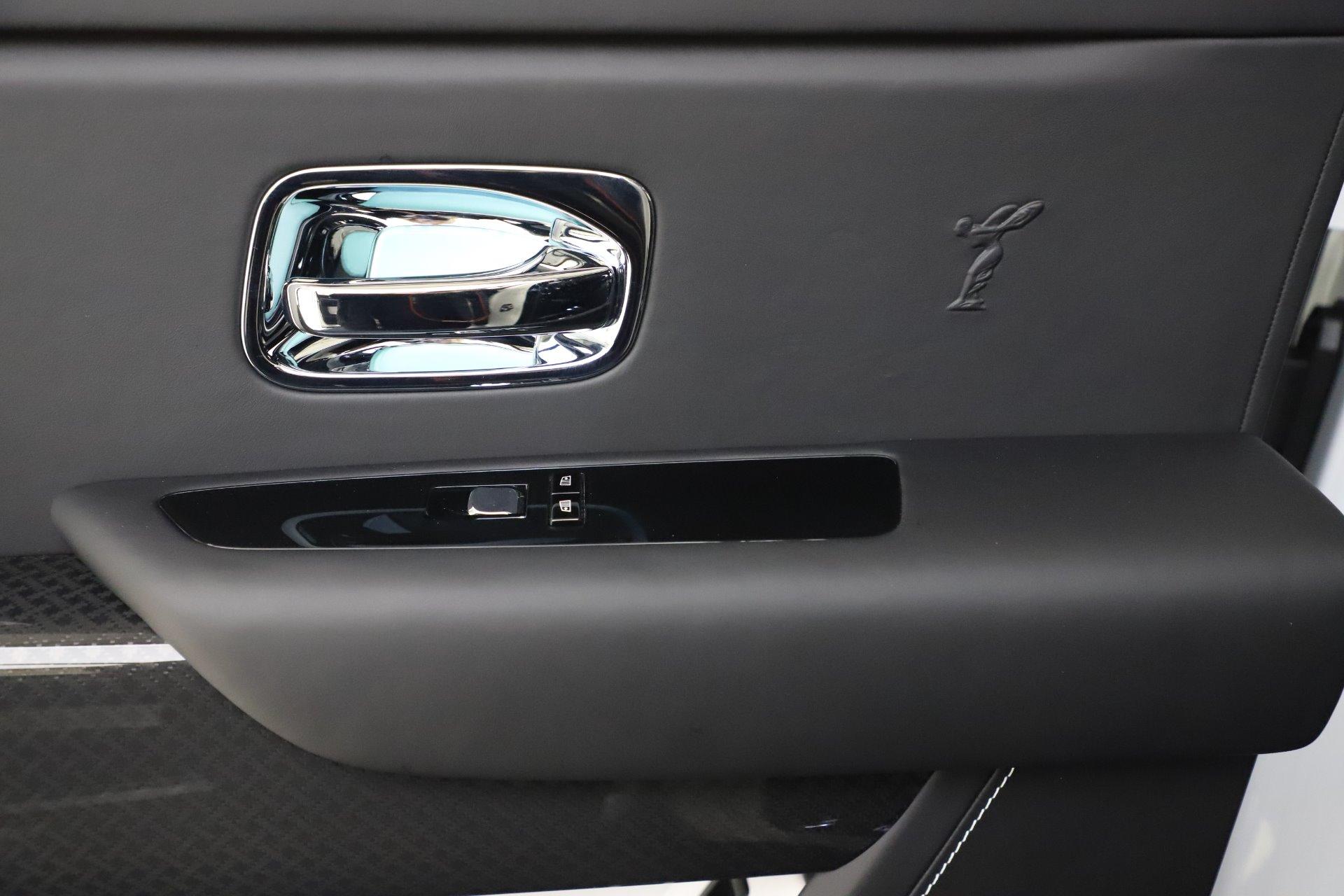 New-2020-Rolls-Royce-Cullinan-Black-Badge