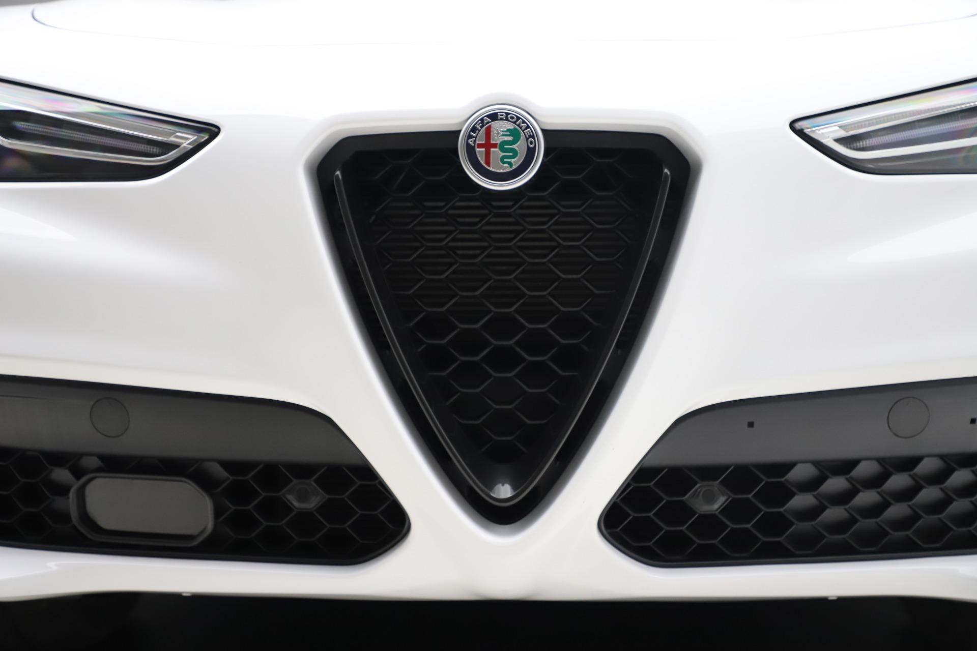 New-2020-Alfa-Romeo-Stelvio-Ti-Sport-Q4