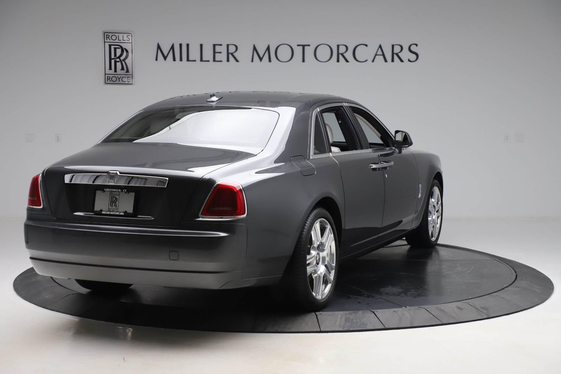 Used-2016-Rolls-Royce-Ghost